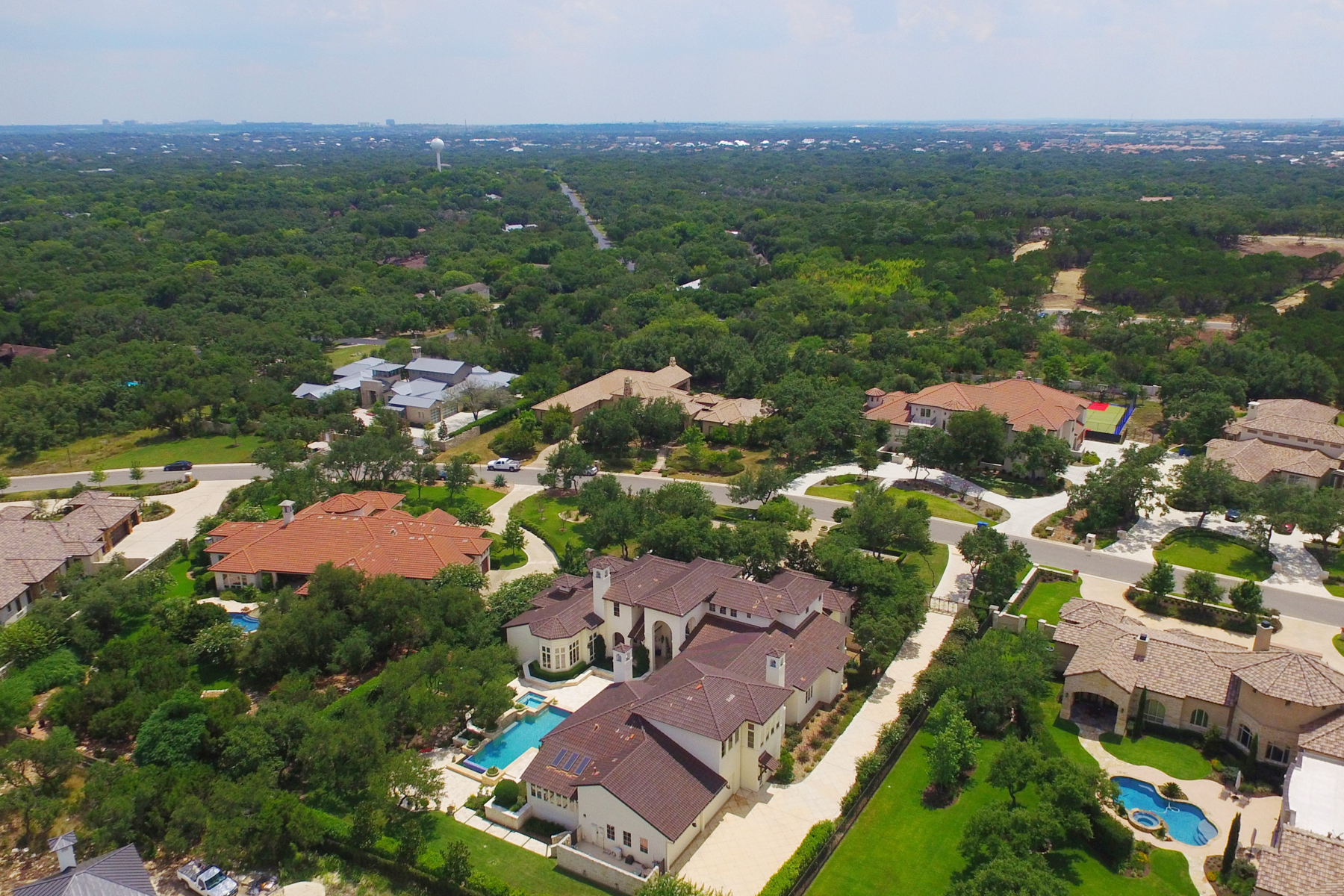 Additional photo for property listing at Breathtaking Masterpiece in Huntington 238 Winding Ln San Antonio, Texas 78231 Estados Unidos