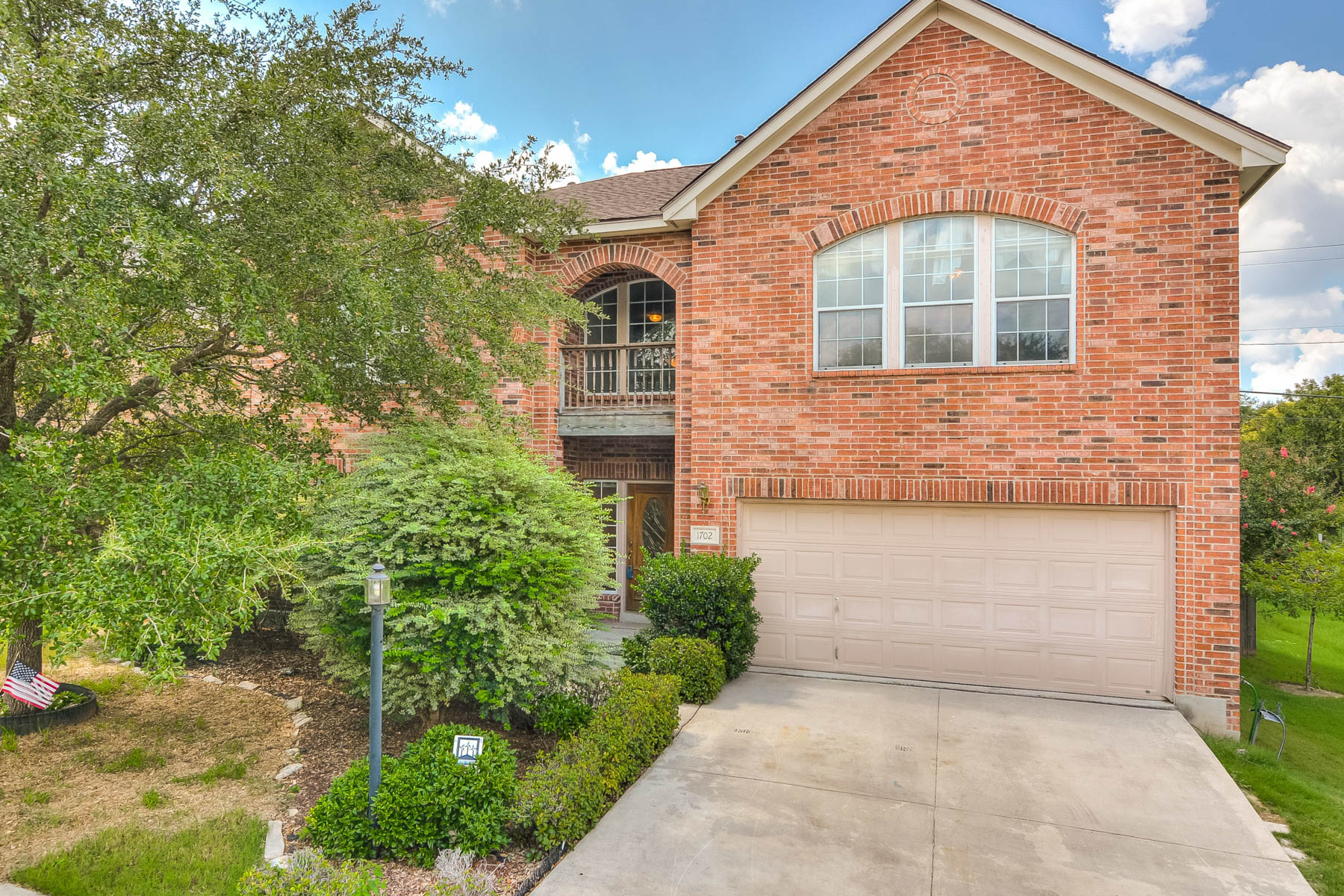 Single Family Home for Sale at Warm and Inviting Home in Santa Fe Trail 1702 Santa Fe Trl San Antonio, Texas 78232 United States
