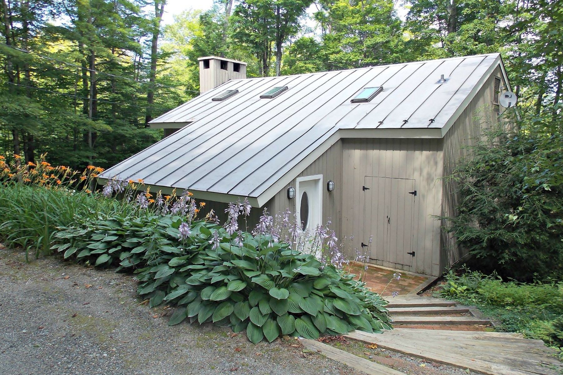 Single Family Home for Sale at 6 Roundtree Rd, Winhall Winhall, Vermont, 05340 United States