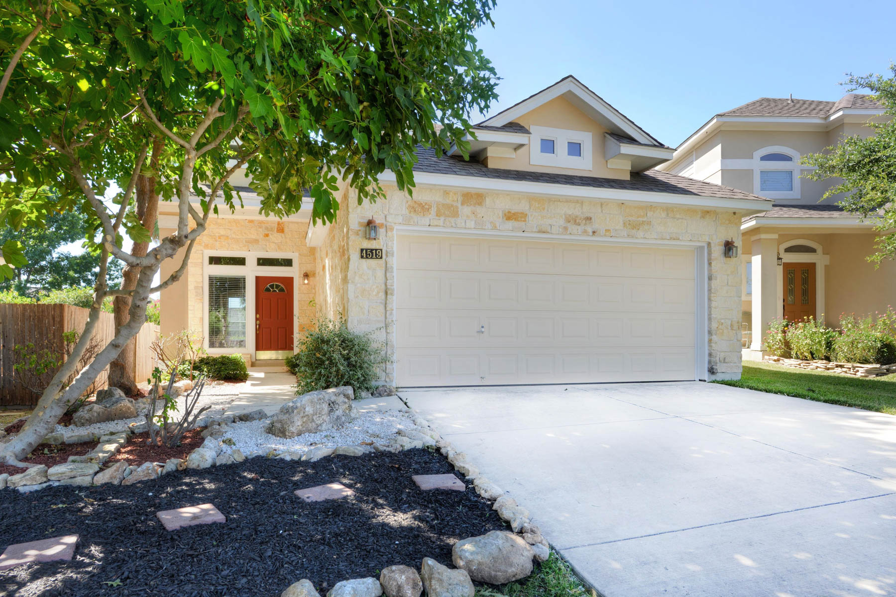 Single Family Home for Rent at Outstanding Rental in Coveted Shavano Park 4519 Shavano Ct San Antonio, Texas 78230 United States