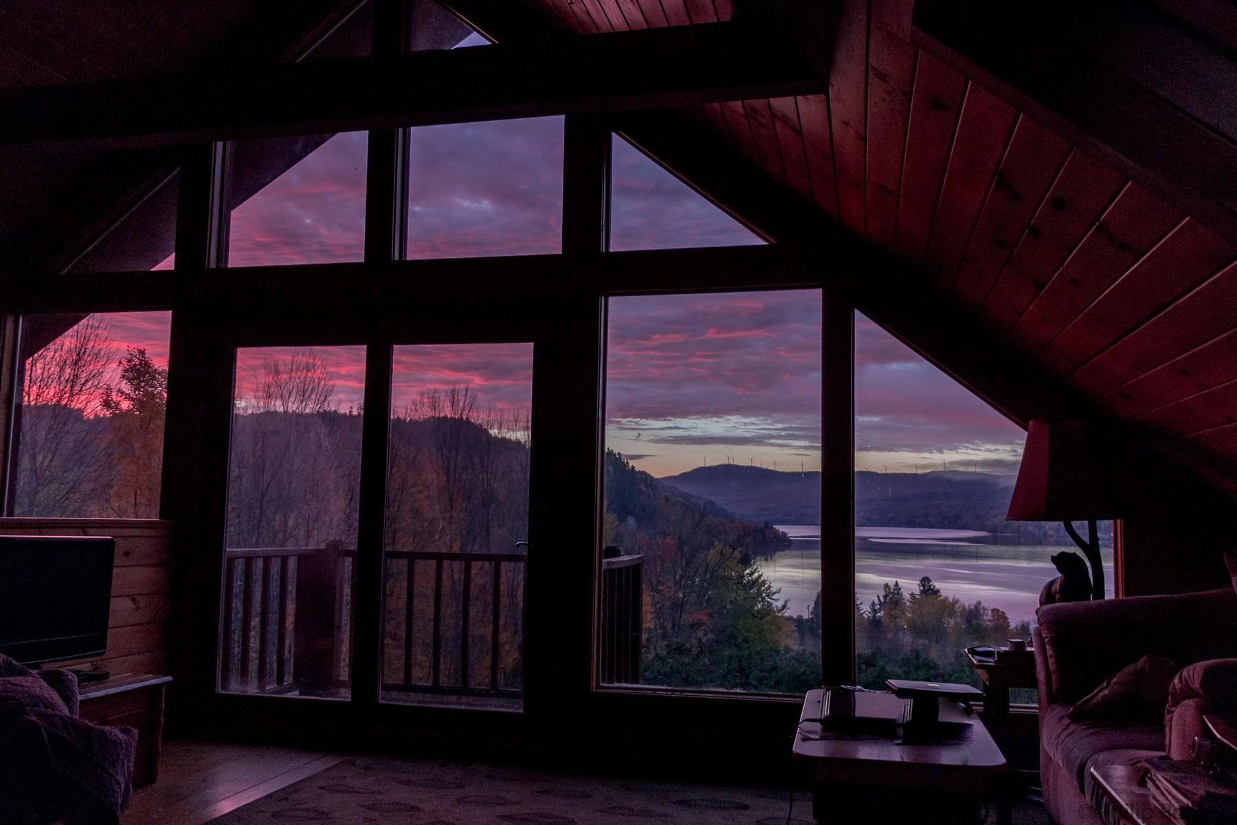 Moradia para Venda às 84 Sunrise, Barton Barton, Vermont, 05822 Estados Unidos