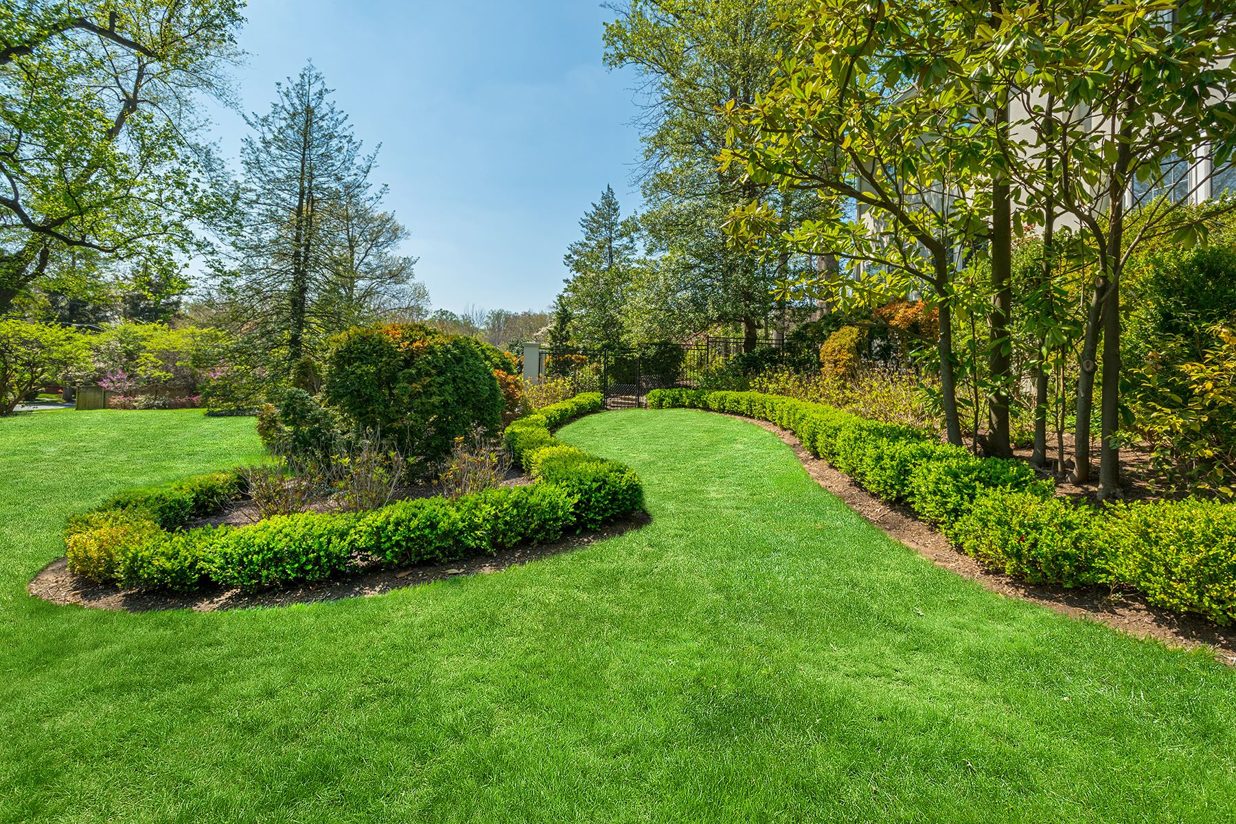 Additional photo for property listing at 5215 Edgemoor Lane, Bethesda 5215 Edgemoor Ln Bethesda, Μεριλαντ 20814 Ηνωμενεσ Πολιτειεσ
