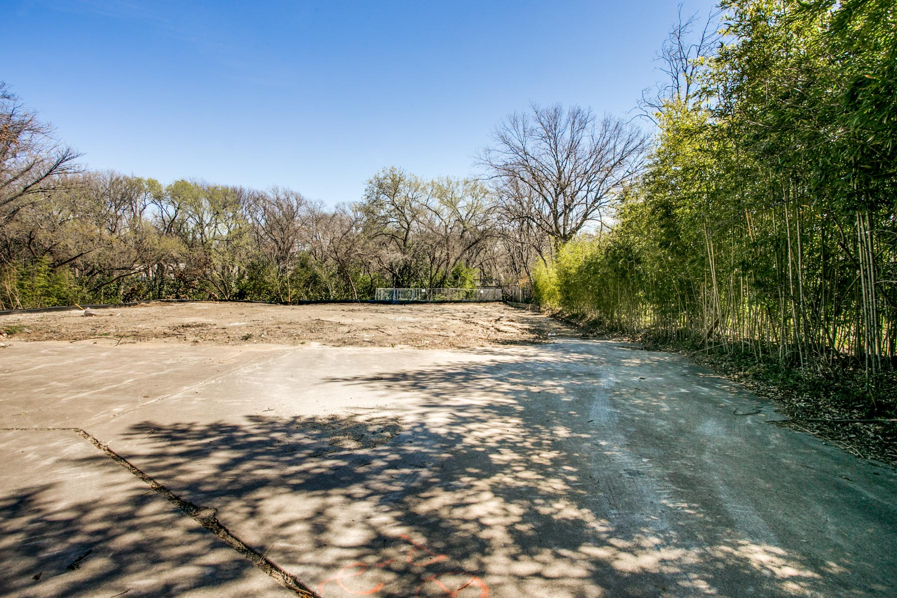 Terreno para Venda às One-Acre Creek Lot 11620 Wander Ln Dallas, Texas, 75230 Estados Unidos
