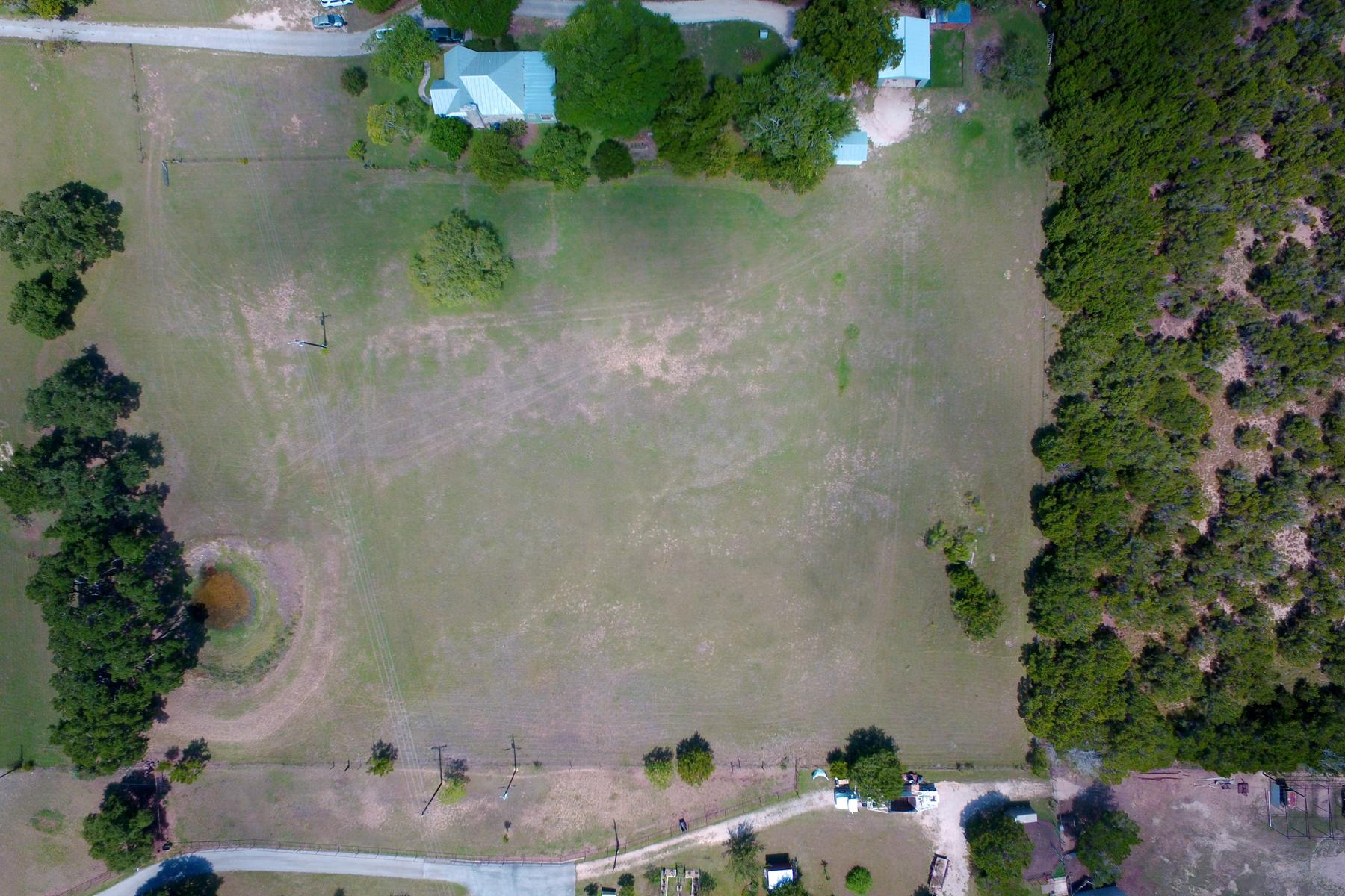 Terreno por un Venta en 3.21 Acre Lot in N. Barcroft Estates 29158 State Highway 46 W Spring Branch, Texas 78070 Estados Unidos