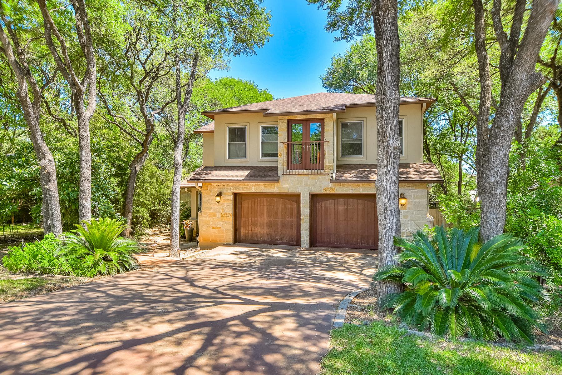 Частный односемейный дом для того Продажа на Beautiful Home in Rollingwood 417 Ridgewood Rd Austin, Техас, 78746 Соединенные Штаты