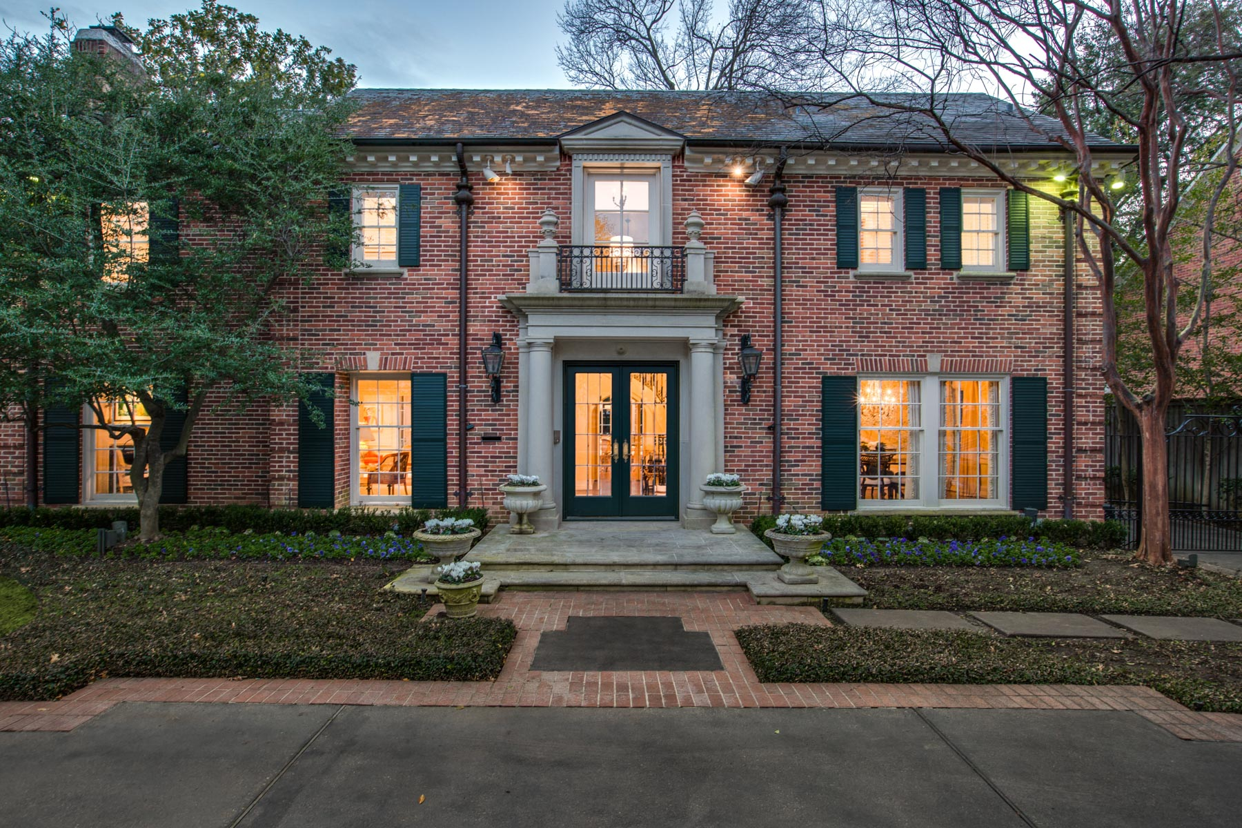 Single Family Home for Sale at Refined Elegance with Exquisite Updates 4433 Bordeaux Ave Highland Park, Texas 75205 United States