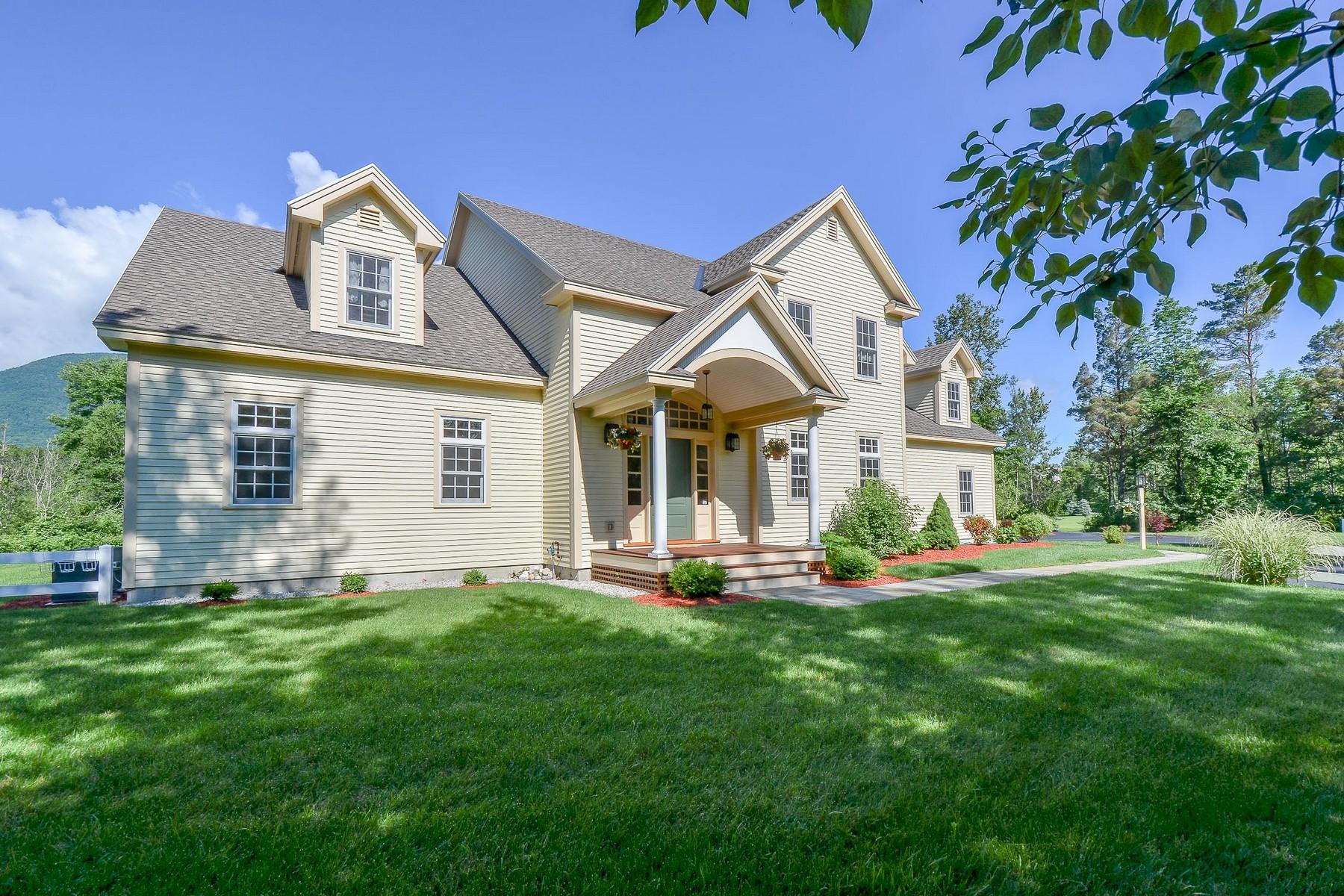 Maison unifamiliale pour l Vente à 25 Trout Pond, Manchester Manchester, Vermont, 05254 États-Unis