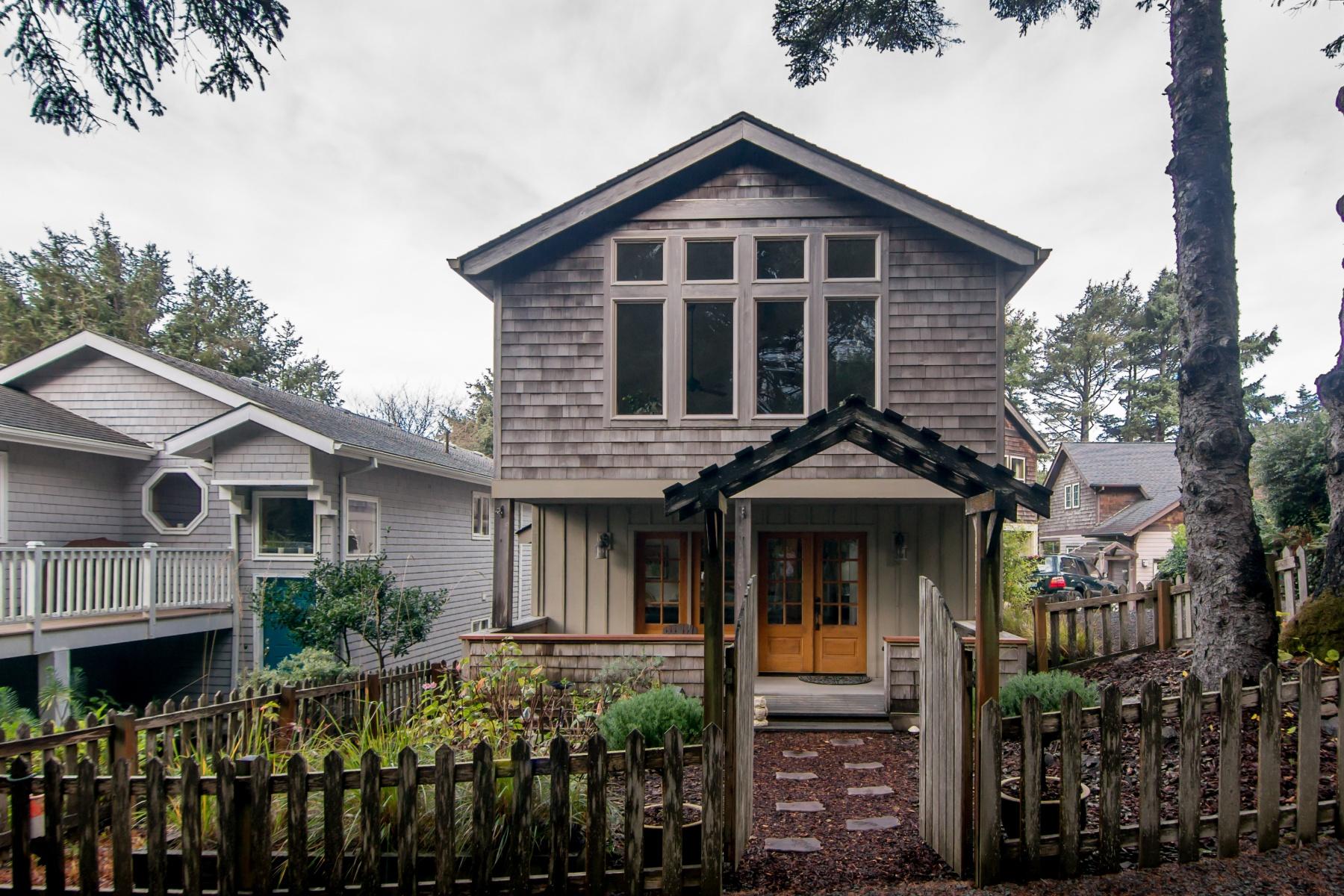 Nhà ở một gia đình vì Bán tại Lodge Style Beach Retreat! 164 Maher St Cannon Beach, Oregon, 97110 Hoa Kỳ