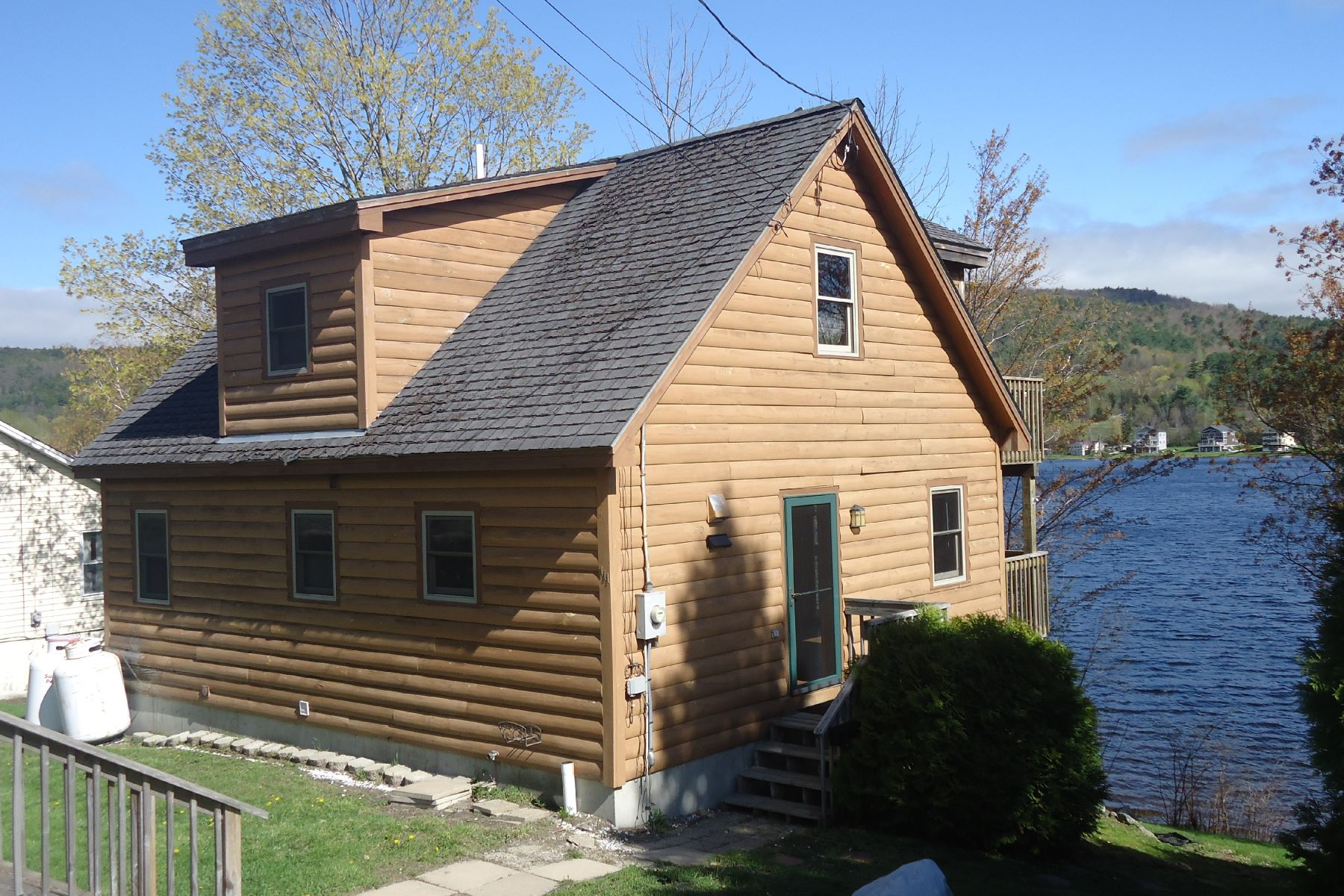 Single Family Home for Sale at Charming Cape on Mascoma Lake 111 Us Route 4a Lebanon, New Hampshire, 03766 United States
