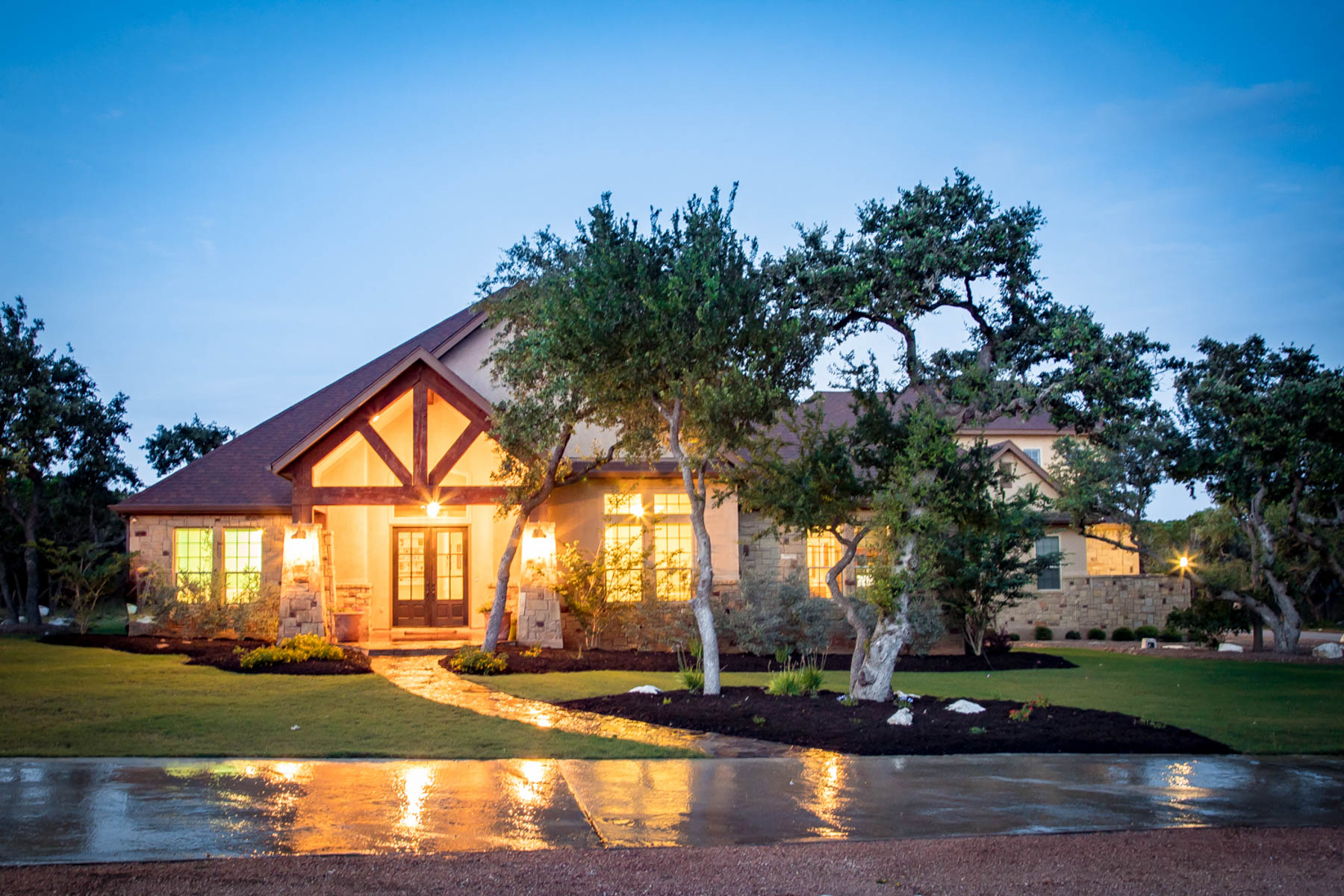 Single Family Home for Sale at Gorgeous Custom Home on Large Hill Country Lot 840 Haven Point Loop New Braunfels, Texas 78132 United States