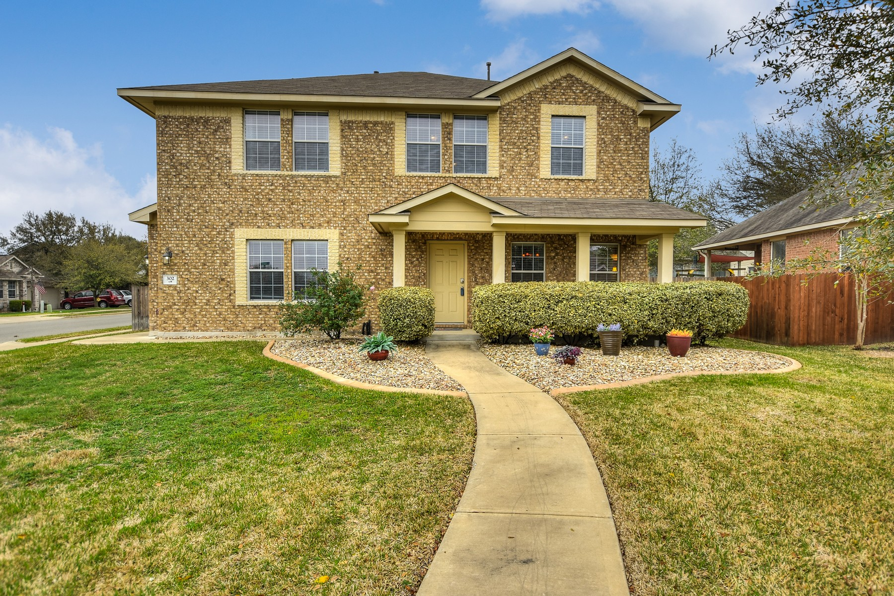 Single Family Home for Sale at Vista Ridge Corner Lot Home 302 Olmos Dr Leander, Texas 78641 United States