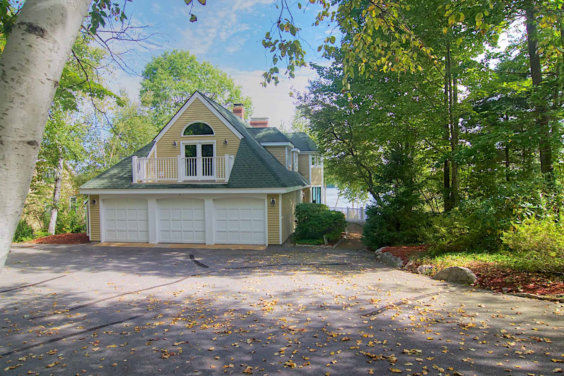 Single Family Home for Sale at Grouse Point Club on Lake Winnipesaukee 27 Grouse Hollow Meredith, New Hampshire, 03253 United States