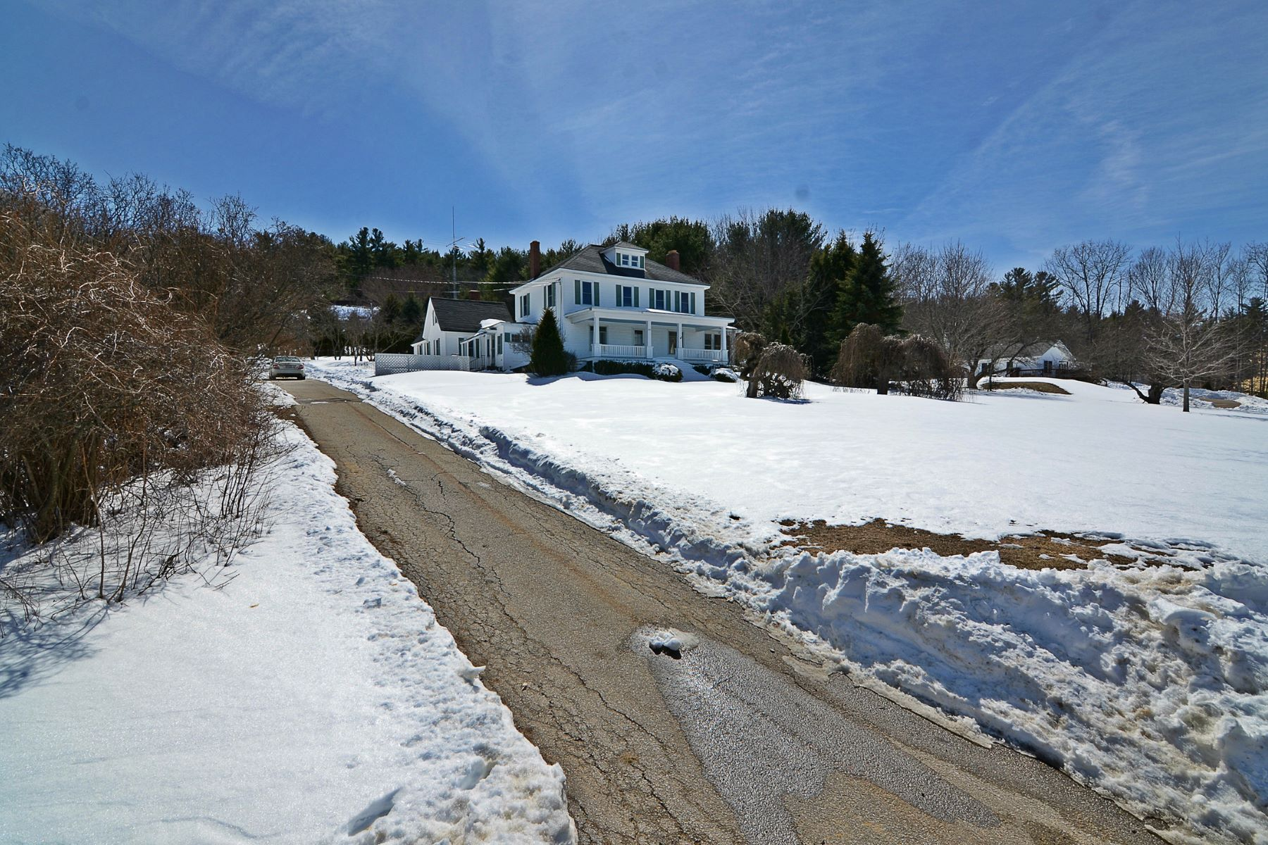 Single Family Home for Sale at 289 Cherry Valley Road, Gilford 289 Cherry Valley Rd Gilford, New Hampshire, 03249 United States