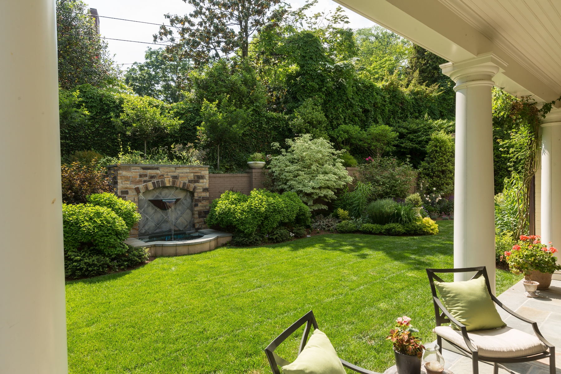 Additional photo for property listing at 1726 Hoban Road Nw, Washington  Washington, District Of Columbia 20007 Verenigde Staten