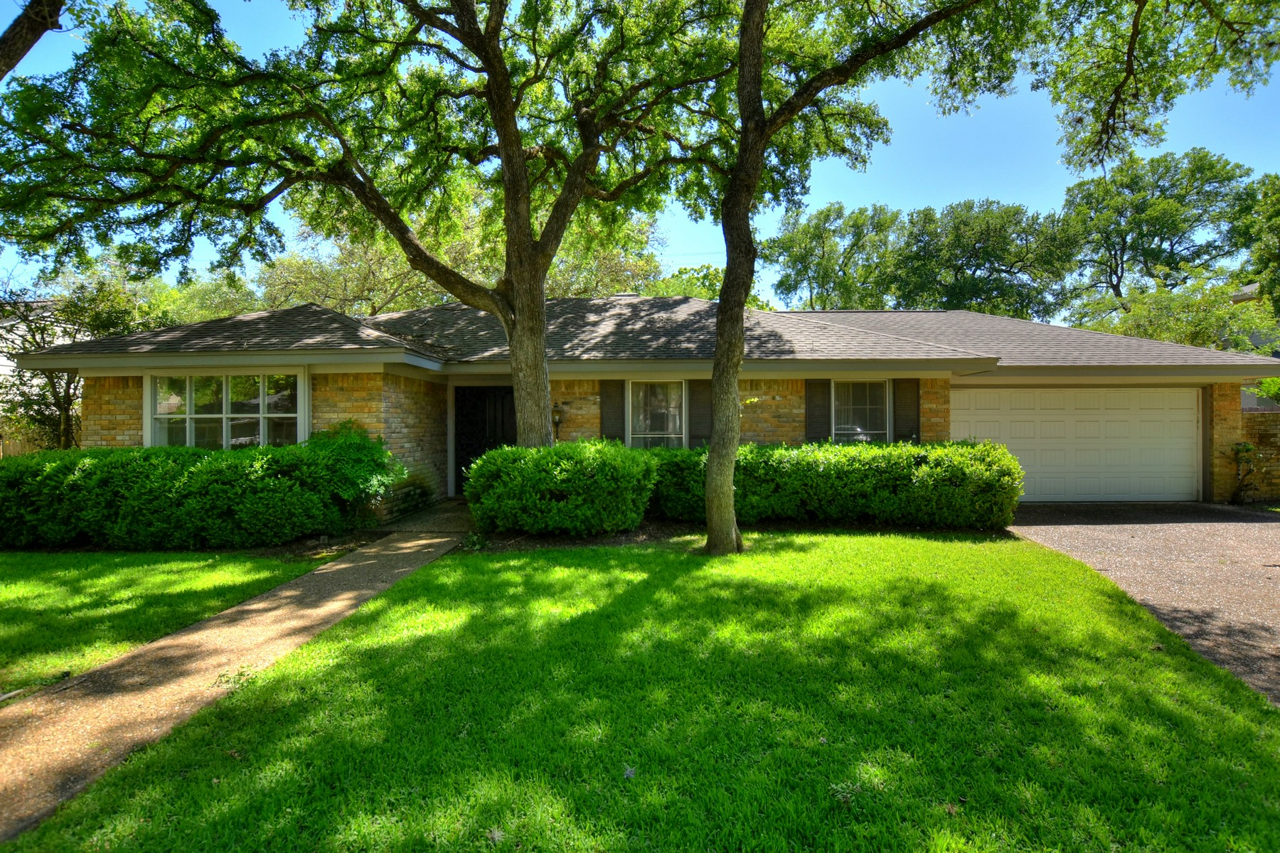 Single Family Home for Sale at Northwest Hills Remodel/Rebuild Opportunity 4211 Gnarl Dr Austin, Texas 78731 United States