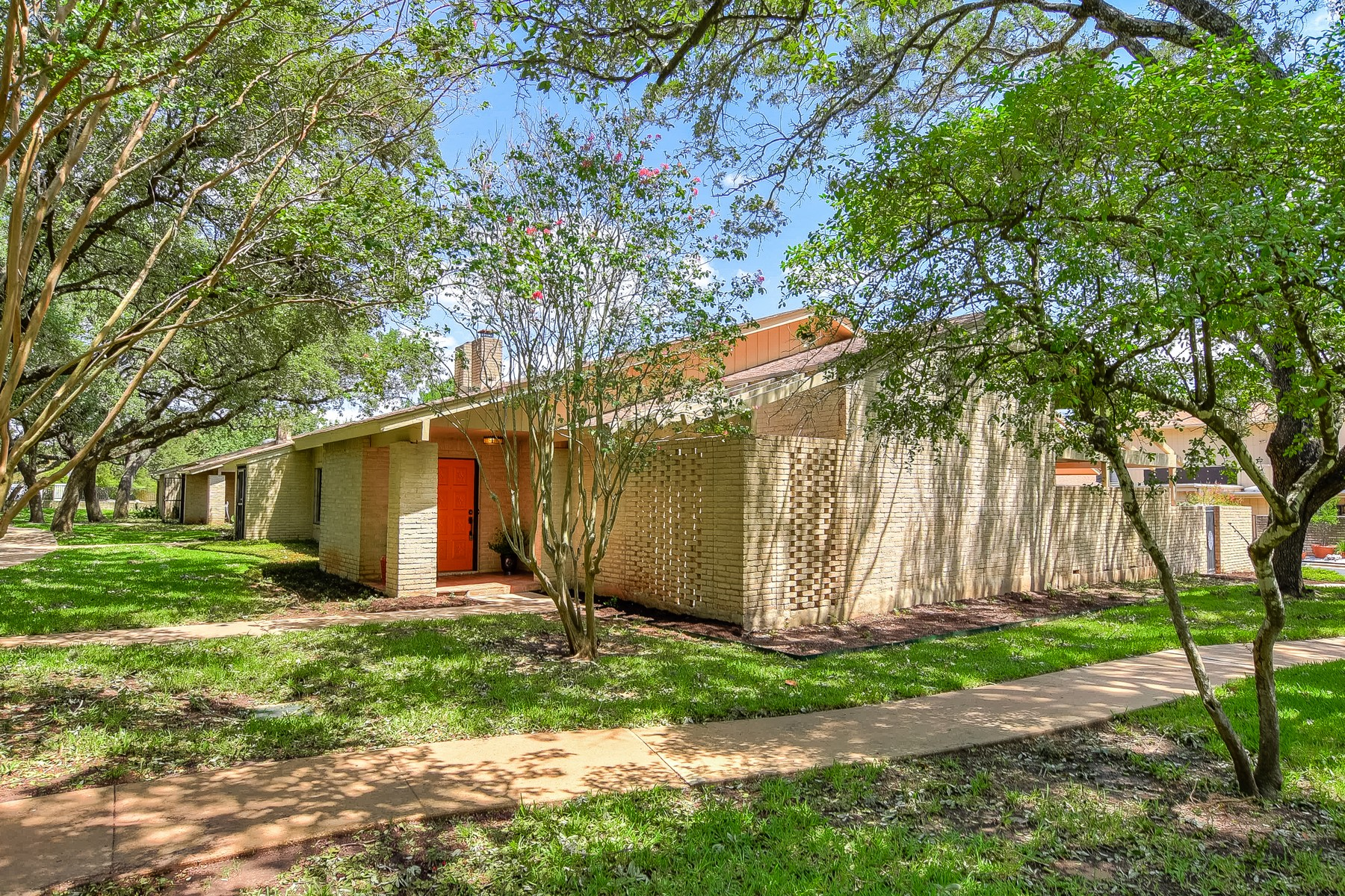 Single Family Home for Sale at Magnificent Townhome in Desirable NW Hills! 8110 Middle Ct Austin, Texas 78759 United States