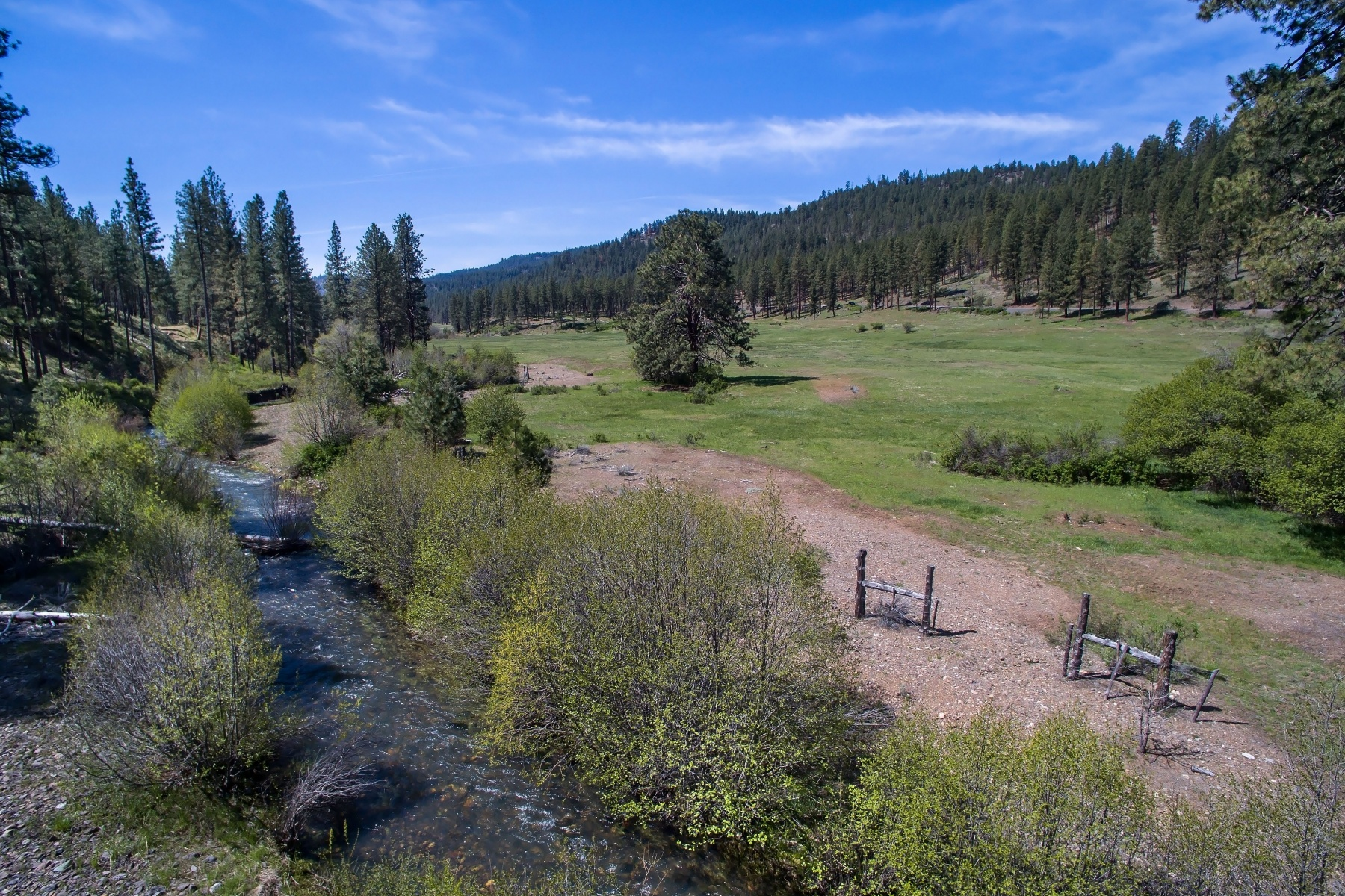Terreno por un Venta en Mill Creek Prineville Acreage 0 Mill Creek (TL 500, 501) Prineville, Oregon, 97754 Estados Unidos