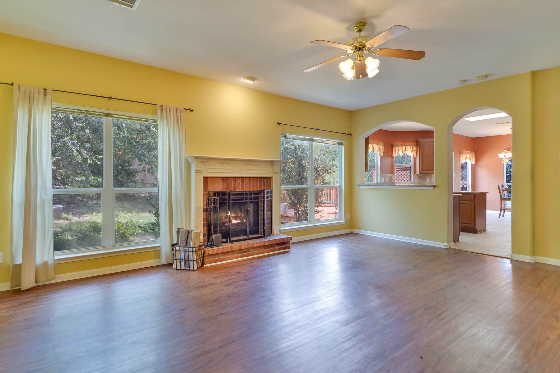 Additional photo for property listing at Warm and Inviting Home in Santa Fe Trail 1702 Santa Fe Trl San Antonio, Texas 78232 United States
