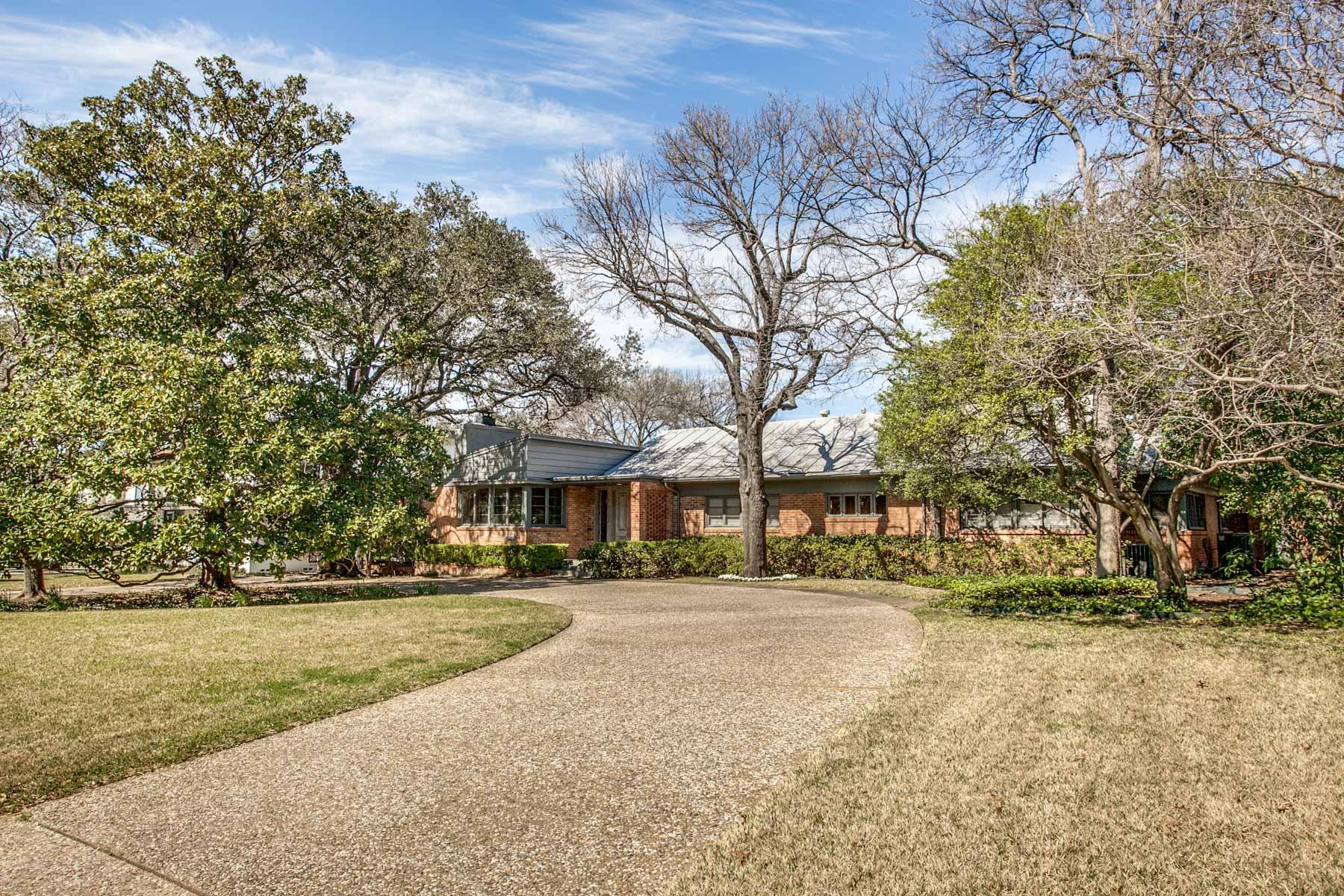 단독 가정 주택 용 매매 에 Exceptional Greenway Park Mid-Century Gem 5337 Wenonah Dr Dallas, 텍사스, 75209 미국