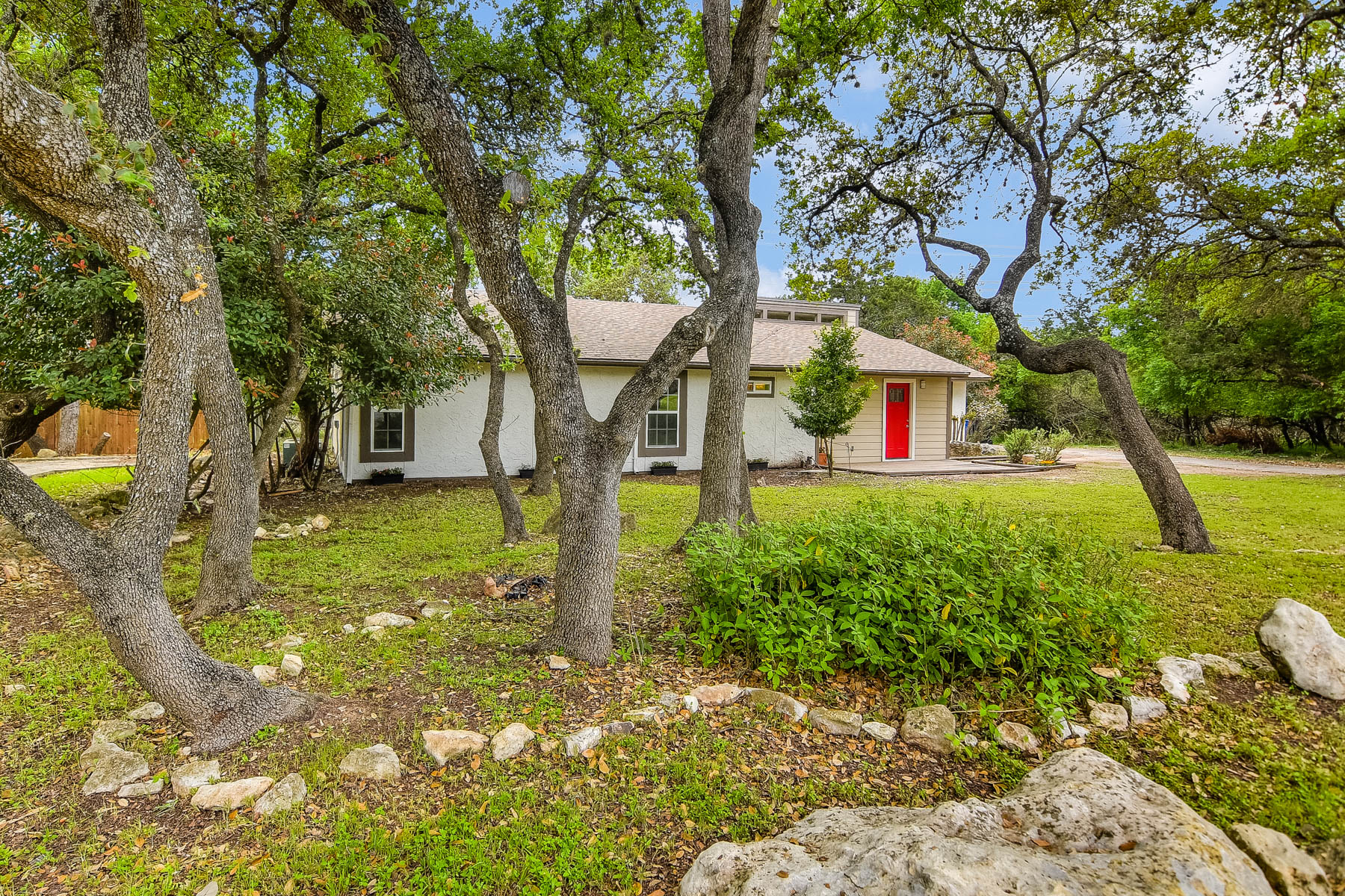 Single Family Home for Sale at Beautifully Remodeled Home in Oakhaven Heights 2218 Pipestone Dr San Antonio, Texas, 78232 United States