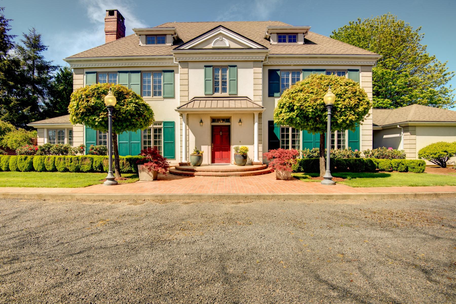 Casa Unifamiliar por un Venta en Exquisite Georgian Estate on 5 Acres 805 LONE OAK Rd Longview, Washington 98632 Estados Unidos