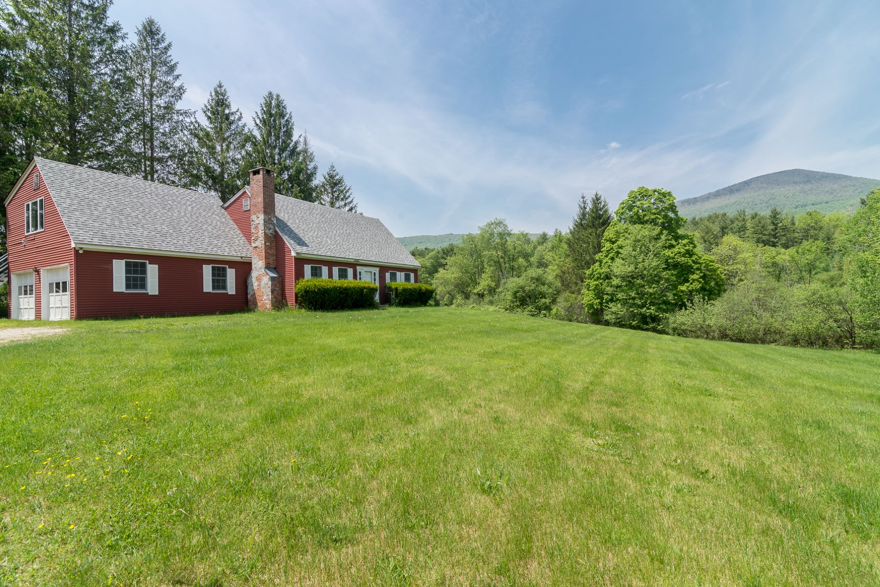 Single Family Home for Sale at Equinox Valley Farmhouse 6390 Route 7 A Sunderland, Vermont 05250 United States