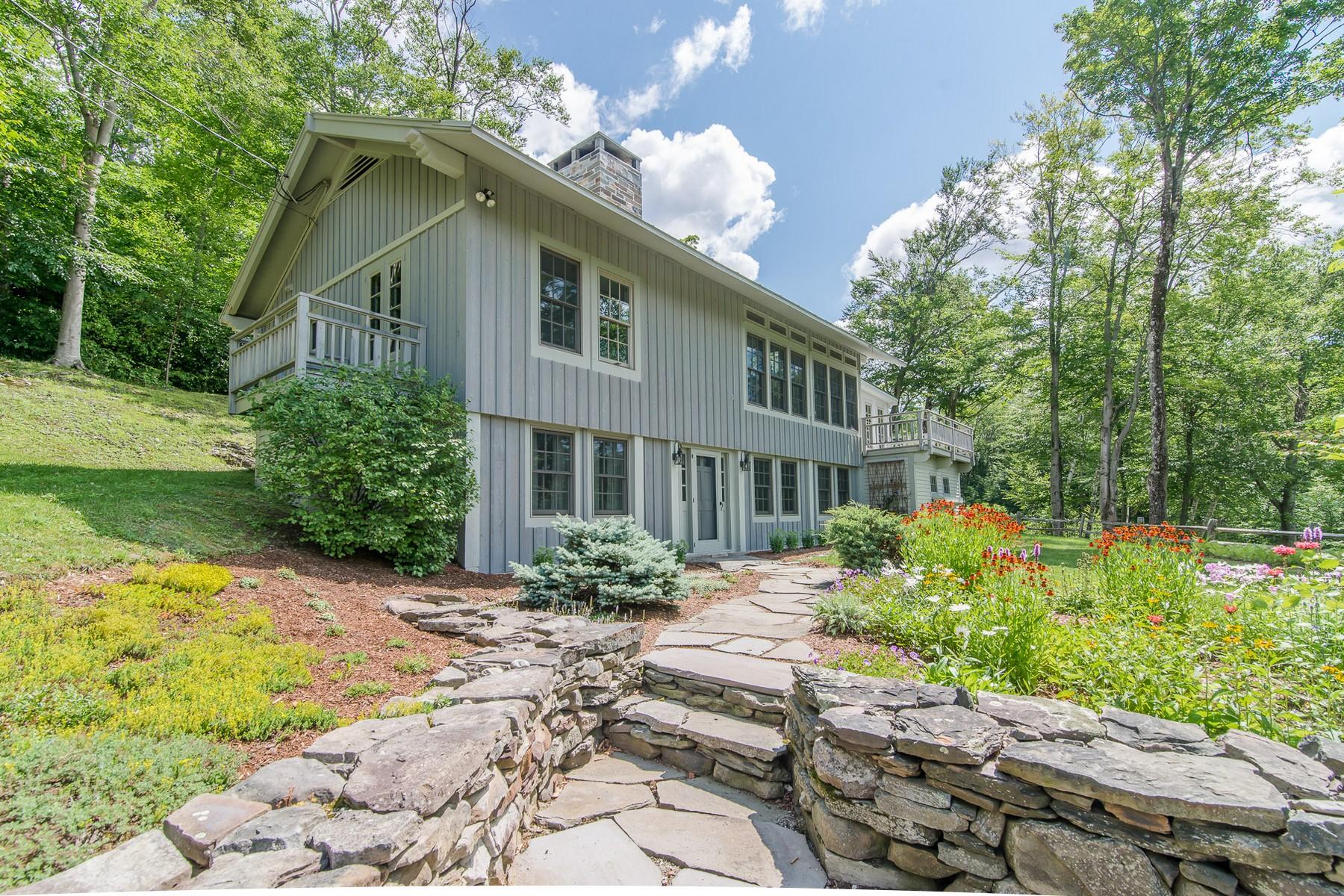 Частный односемейный дом для того Продажа на Decorator Designs 3452 Green Hill Rd Danby, Вермонт 05739 Соединенные Штаты