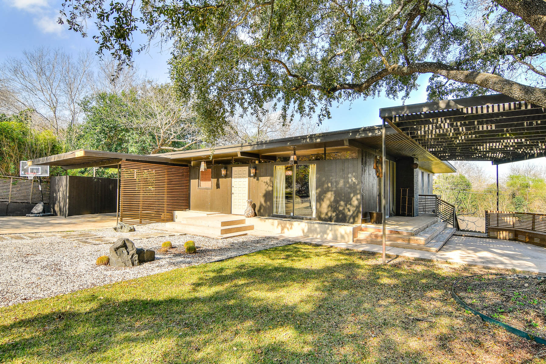 Single Family Home for Sale at Mid-Century Home in Terrell Hills 805 Ridgemont Ave San Antonio, Texas 78209 United States