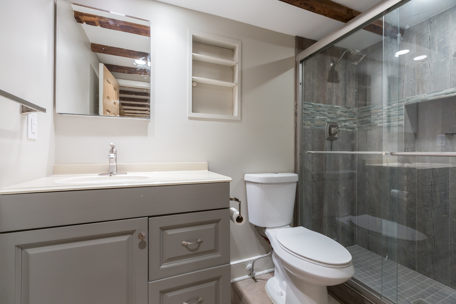 Additional photo for property listing at Old Town 117 Prince St Alexandria, Virginia 22314 Vereinigte Staaten