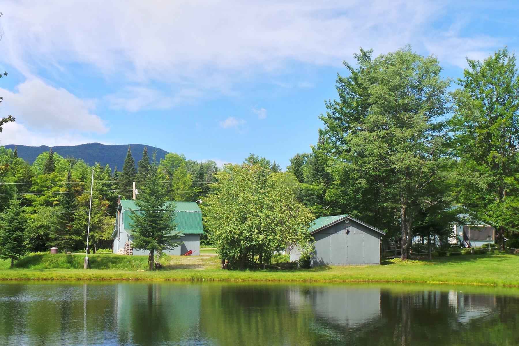 Casa Unifamiliar por un Venta en Balance Rock Home 3551 Balance Rock Rd Westfield, Vermont, 05874 Estados Unidos