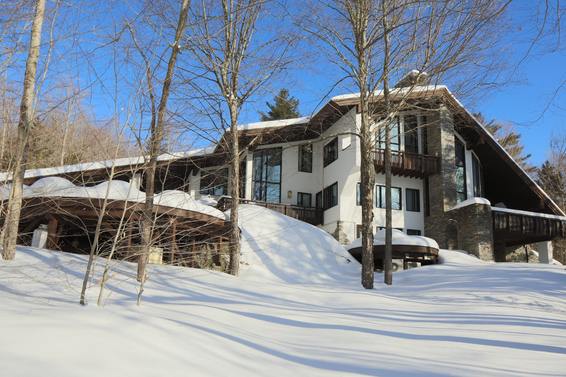 Casa Unifamiliar por un Venta en 138 Merlin Way, Plymouth Plymouth, Vermont, 05056 Estados Unidos