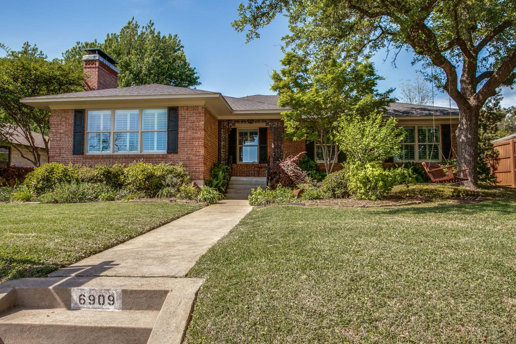 独户住宅 为 销售 在 6909 Merrilee, Dallas 达拉斯, 得克萨斯州, 75214 美国