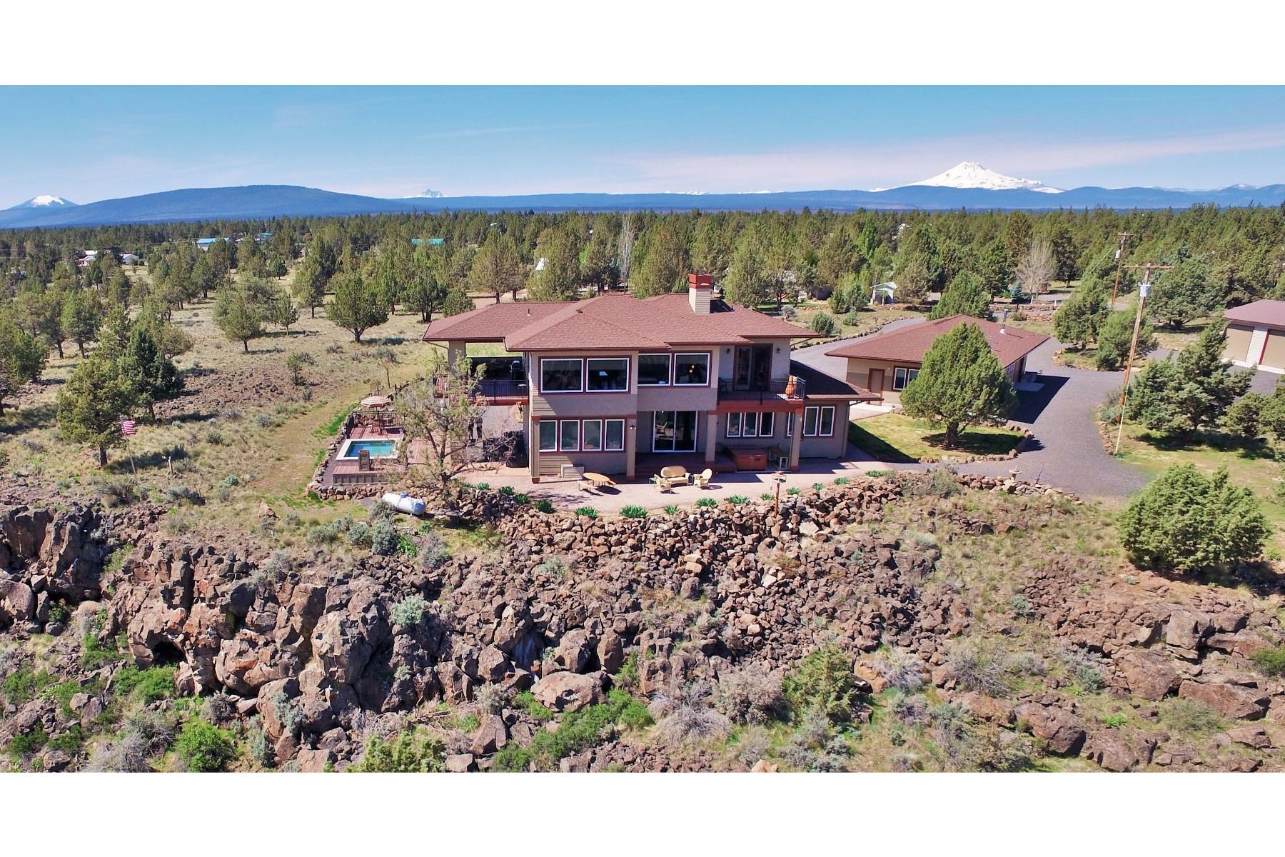独户住宅 为 销售 在 360 Degree Views in Style 9791 SW Paiute Dr 卡尔弗, 俄勒冈州, 97734 美国
