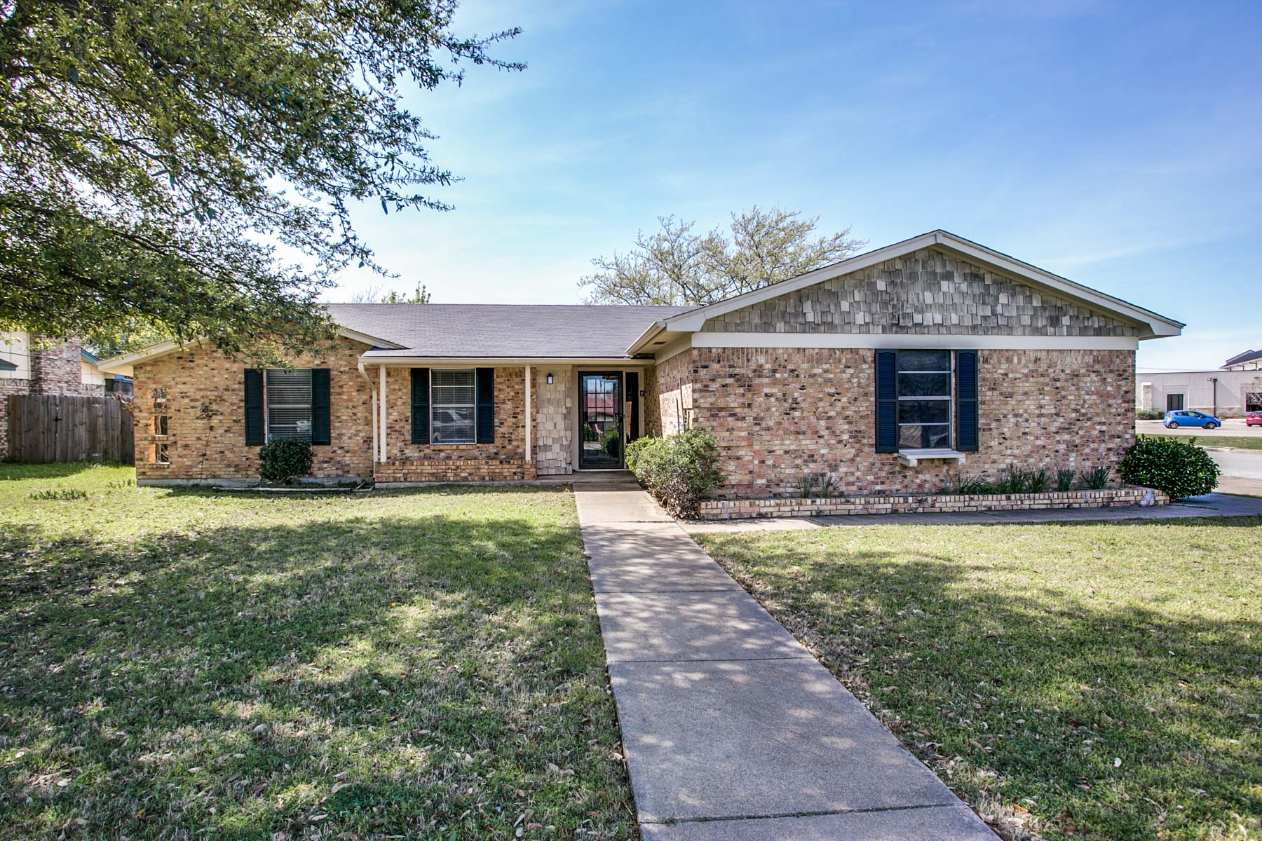 Villa per Vendita alle ore 1026 Bryant, Fort Worth Fort Worth, Texas, 76126 Stati Uniti