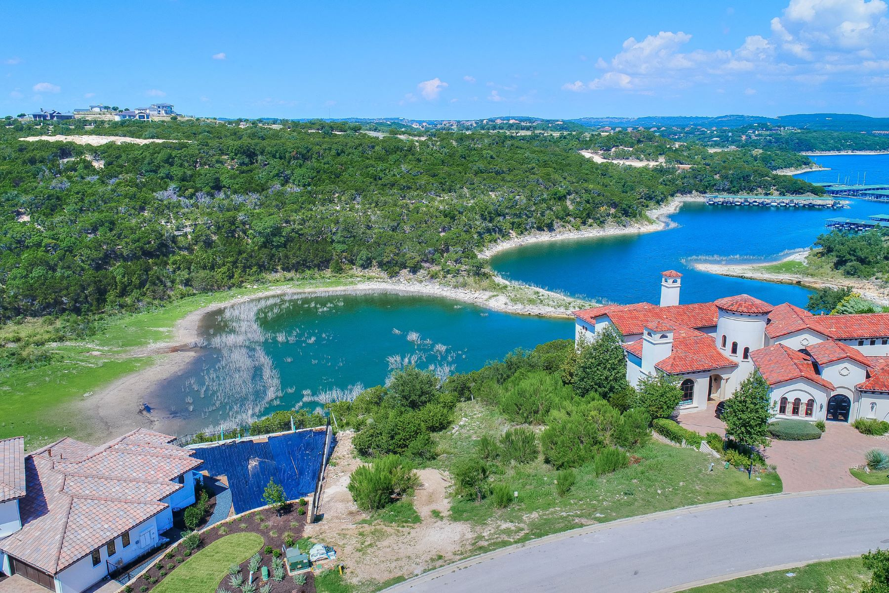 Terreno por un Venta en Rare Waterfront in Rough Hollow 215 Canyon Turn Trl Austin, Texas 78734 Estados Unidos