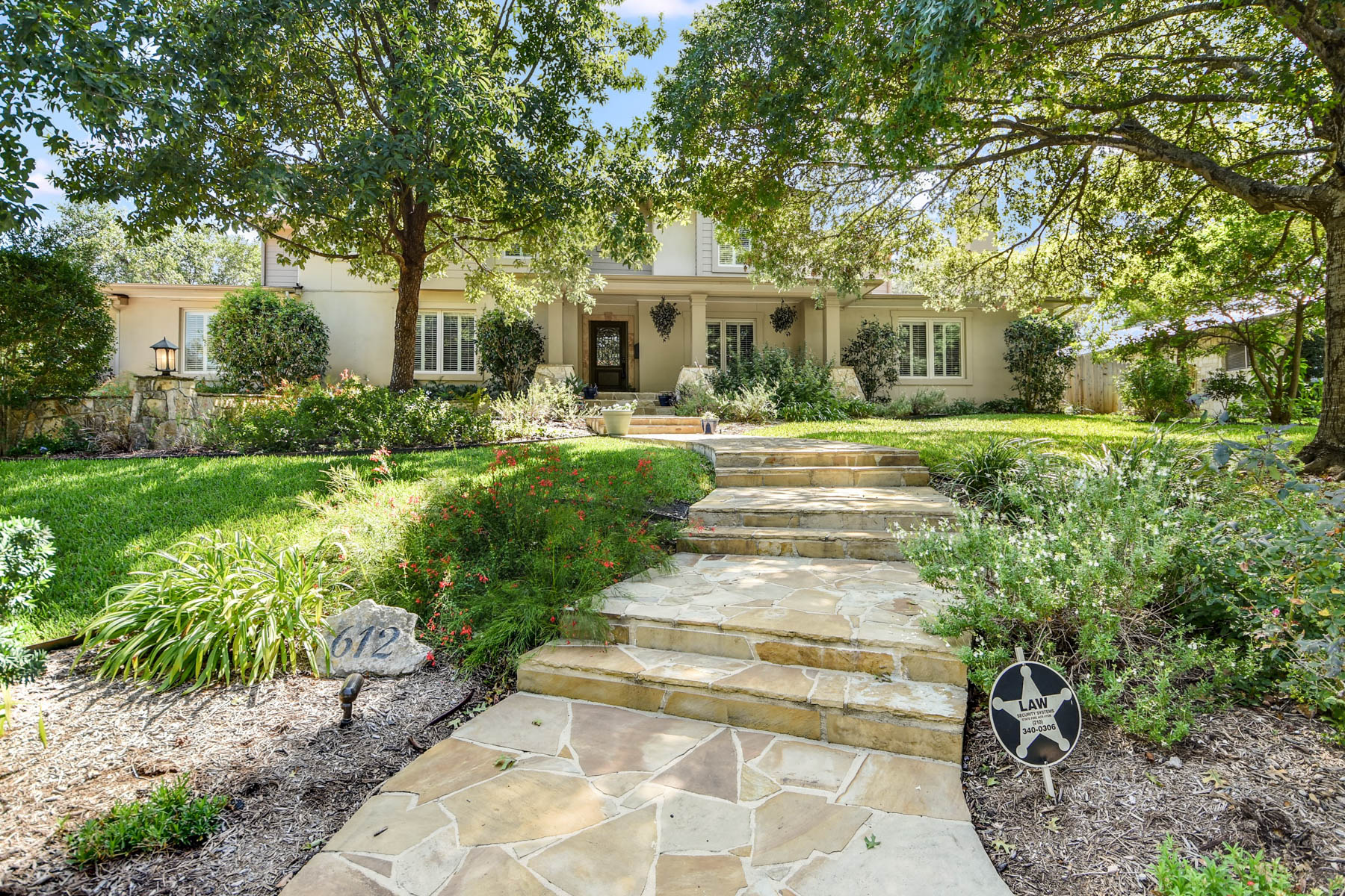 واحد منزل الأسرة للـ Rent في Terrell Hills Home for Rent 612 Canterbury Hill, San Antonio, Texas, 78209 United States
