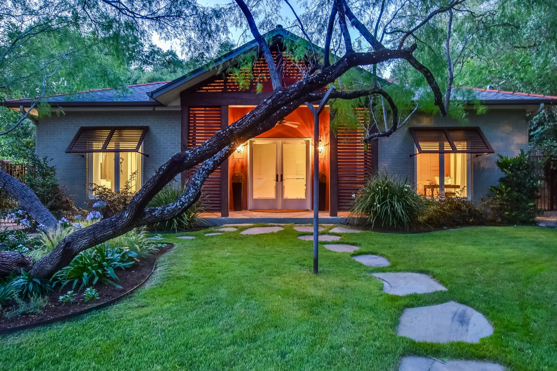 Single Family Home for Sale at Unique Remodeled Central Austin Home 2404 Shoalmont Austin, Texas 78756 United States