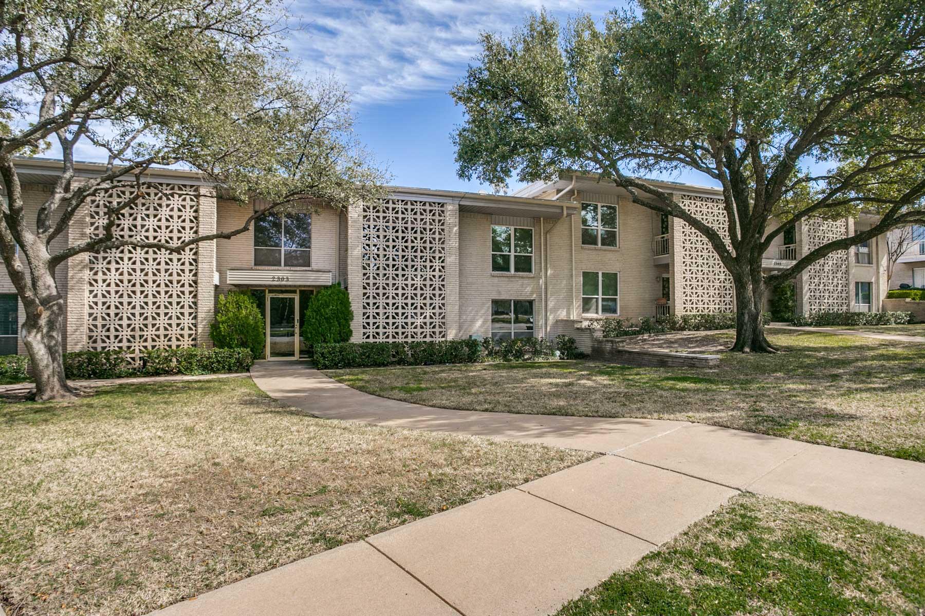 Vivienda unifamiliar por un Venta en 2303 Ridgmar Plaza 29, Fort Worth Fort Worth, Texas, 76116 Estados Unidos