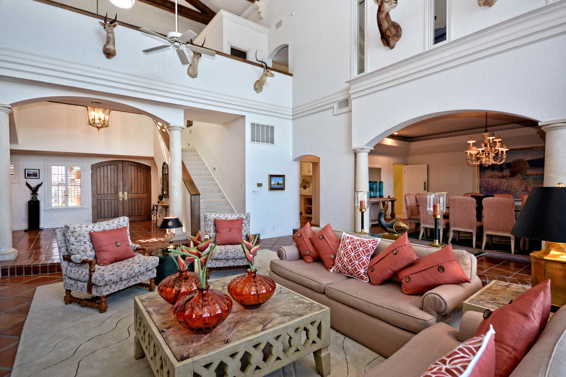 Additional photo for property listing at Love it to the Moon and Back! 416 Lighthouse Dr Horseshoe Bay, Texas 78765 Estados Unidos