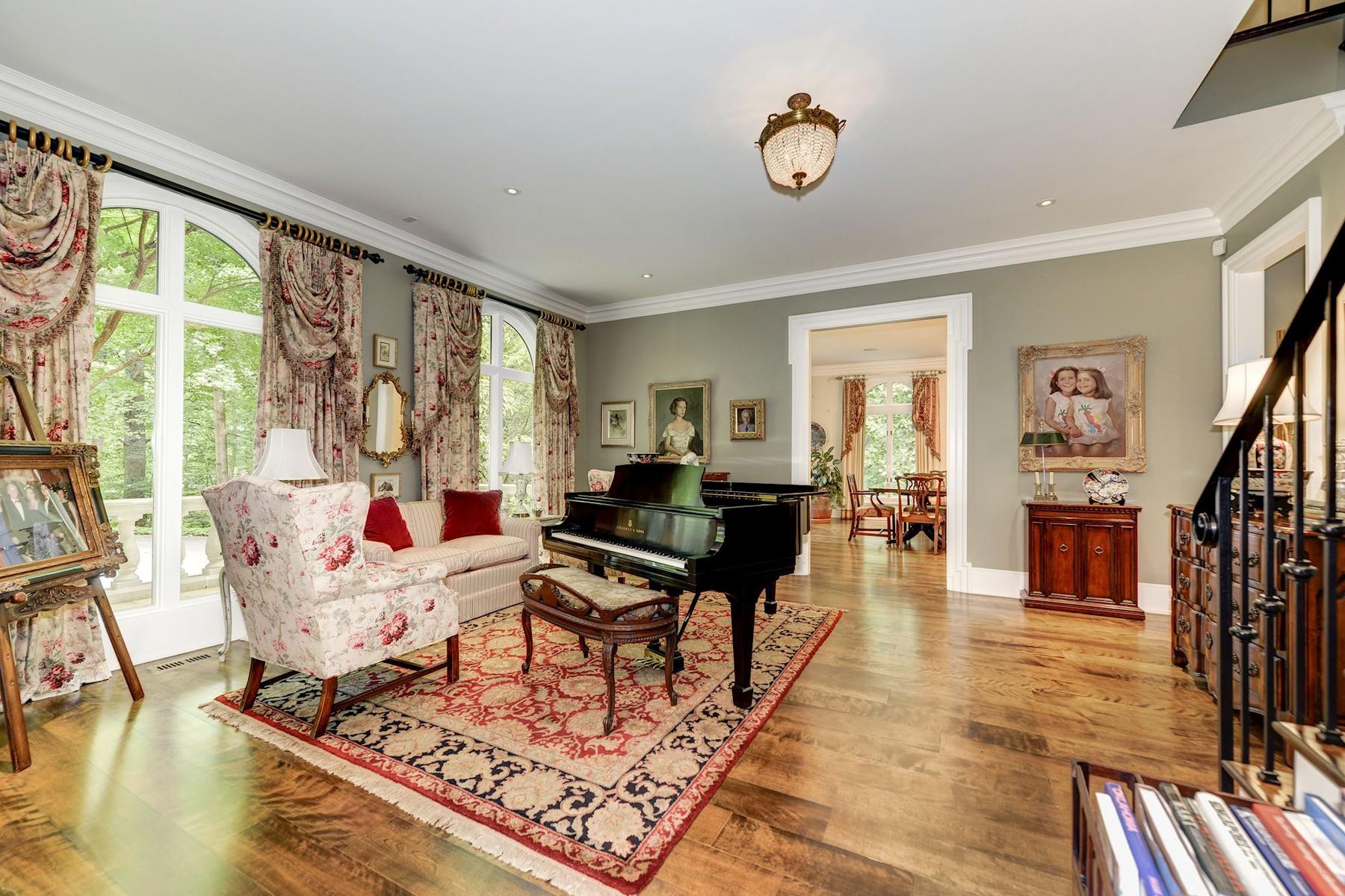 Additional photo for property listing at La Maison 1111 Crest Lane McLean, Βιρτζινια 22101 Ηνωμενεσ Πολιτειεσ