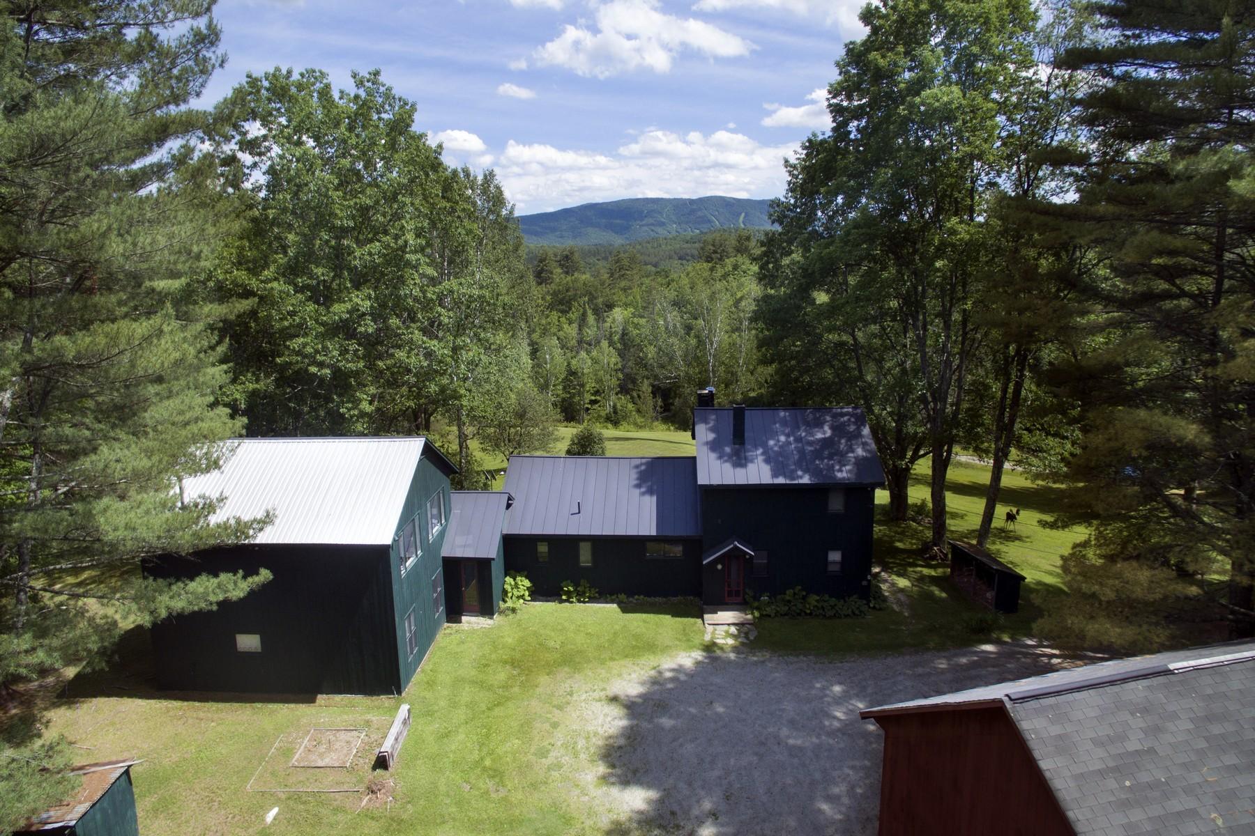 Частный односемейный дом для того Продажа на Weston Country Property 2 Route 100, Weston, Вермонт, 05161 Соединенные Штаты