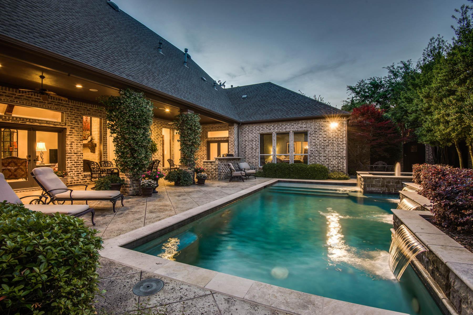 Einfamilienhaus für Verkauf beim Fall in Love with Your Outdoor Go to Spot! 5612 Fairfax Dr Frisco, Texas, 75034 Vereinigte Staaten