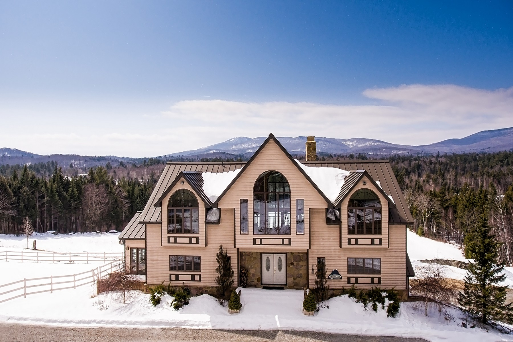 Casa Unifamiliar por un Venta en Vast Views with Pond and Privacy 123 Nichols Peru, Vermont, 05152 Estados Unidos