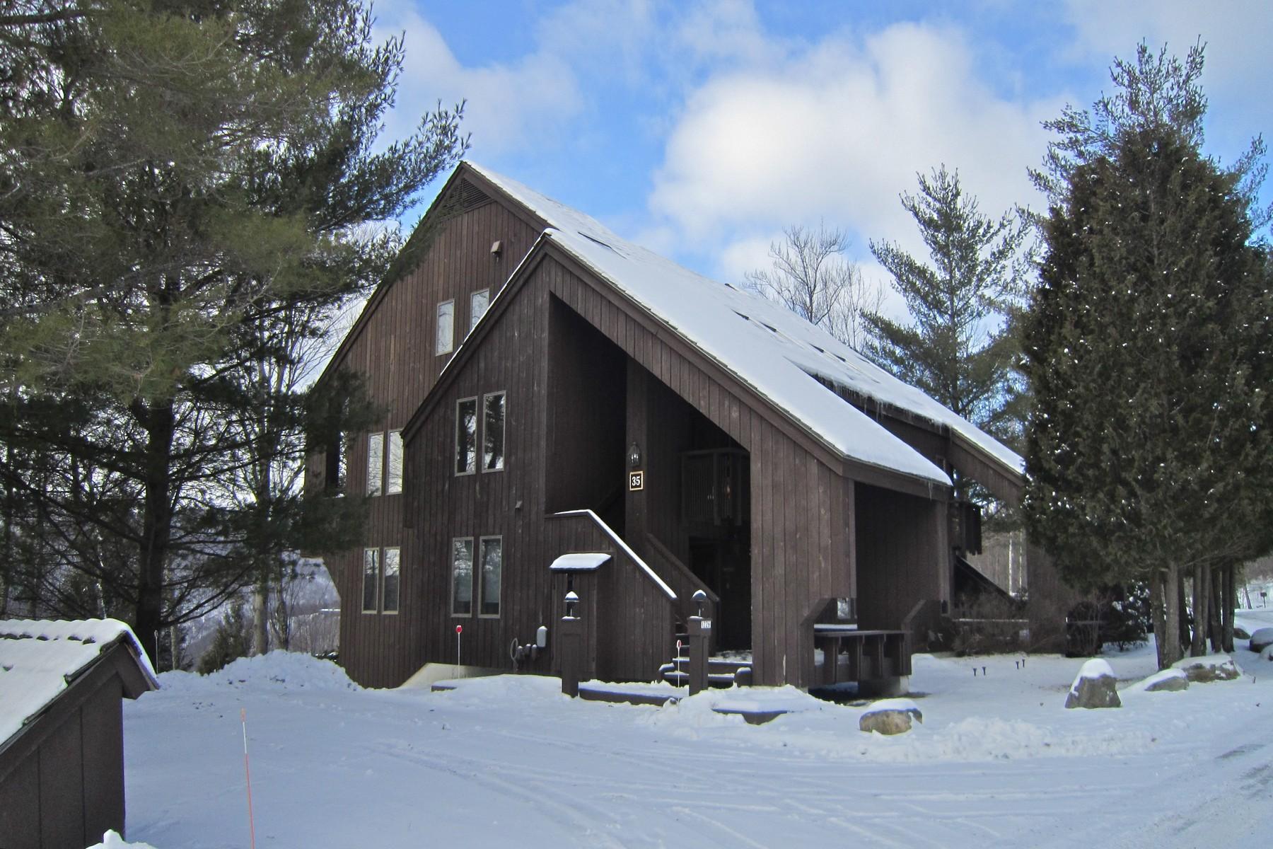 共管式独立产权公寓 为 销售 在 2 Bedroom Luxury Townhouse 1226 E East Ash Rd L-33 普利茅斯, 佛蒙特州, 05056 美国