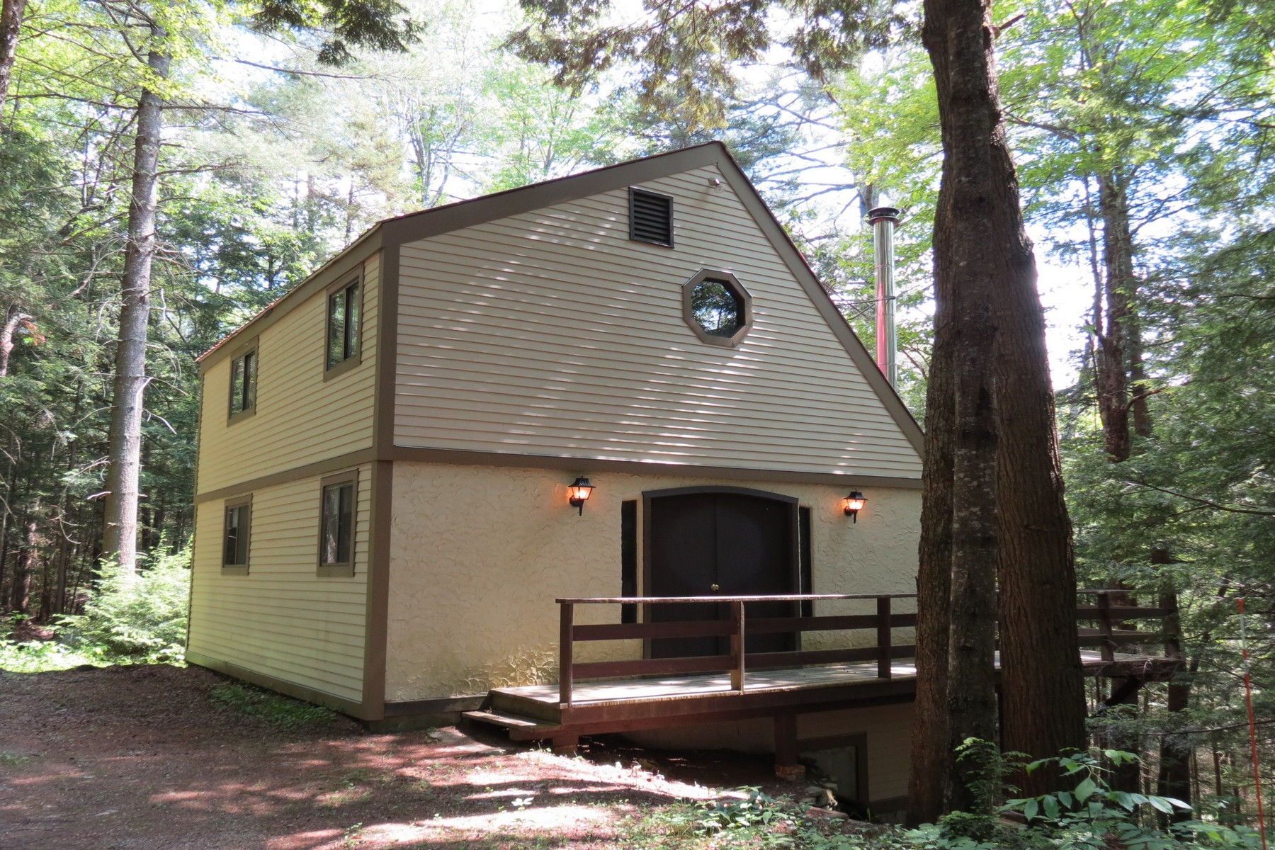Single Family Home for Sale at Valued Vacation Venue 534 Sherwood Forest Londonderry, Vermont, 05148 United States