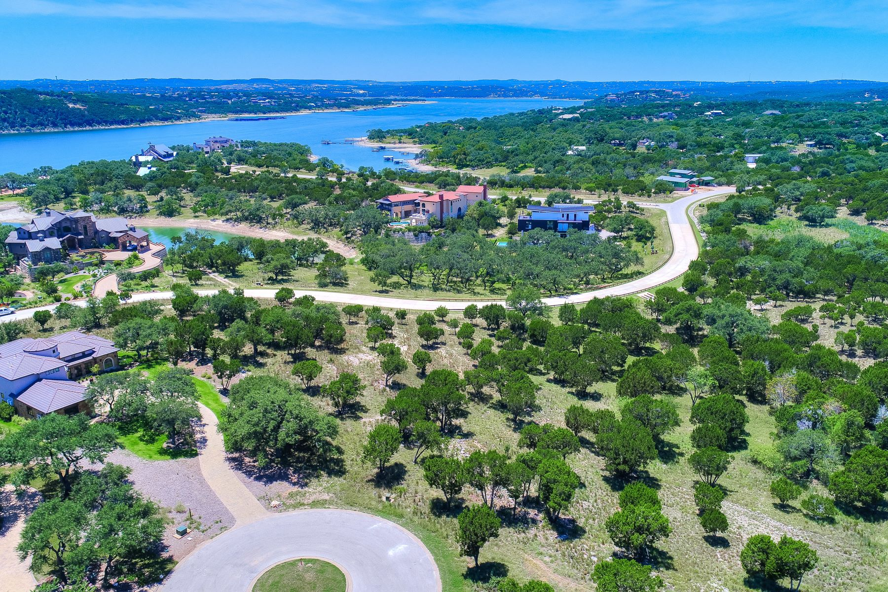 Additional photo for property listing at 19204 Secretariat Pl, Spicewood  Spicewood, Texas 78669 United States