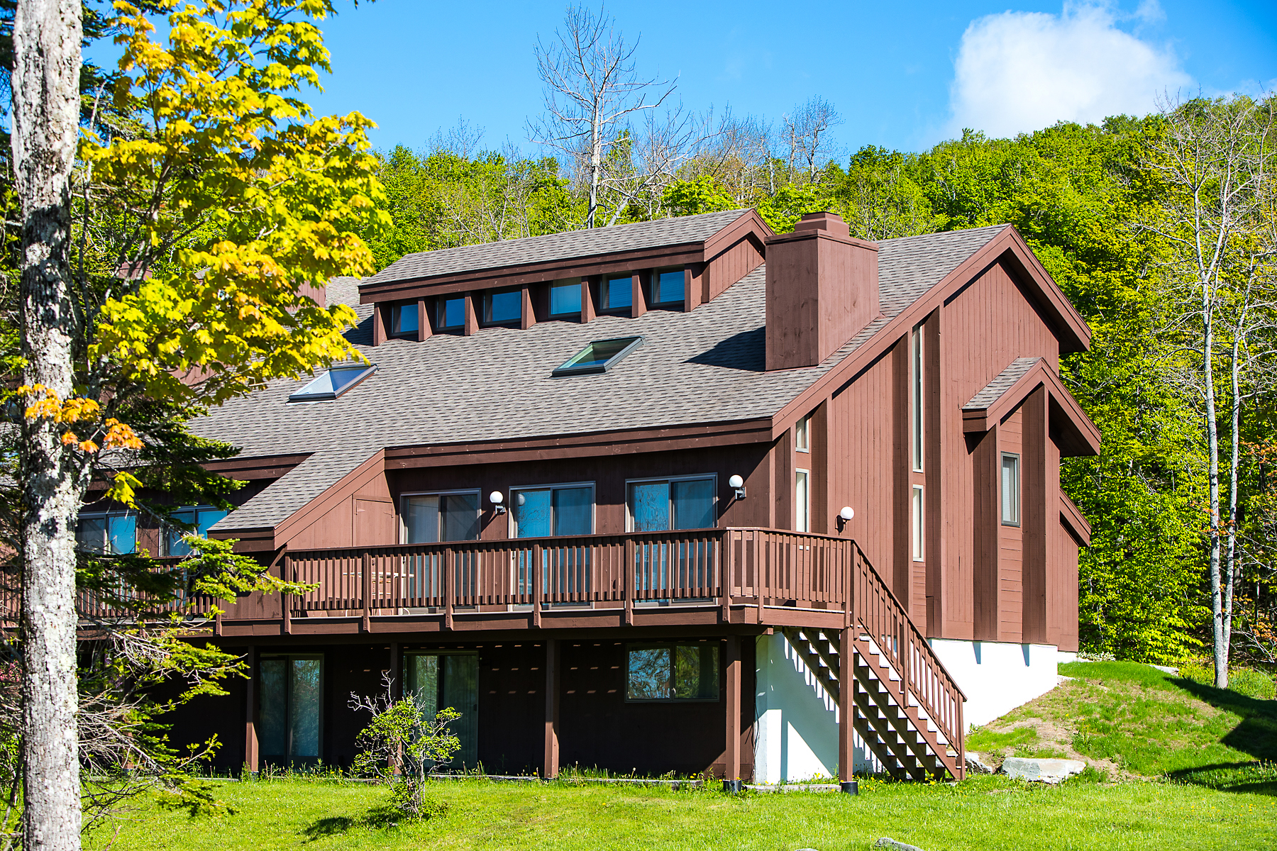 Condominio por un Venta en Views - Great Price - Near Ski Run 57 Ridges 201E Peru, Vermont, 05152 Estados Unidos