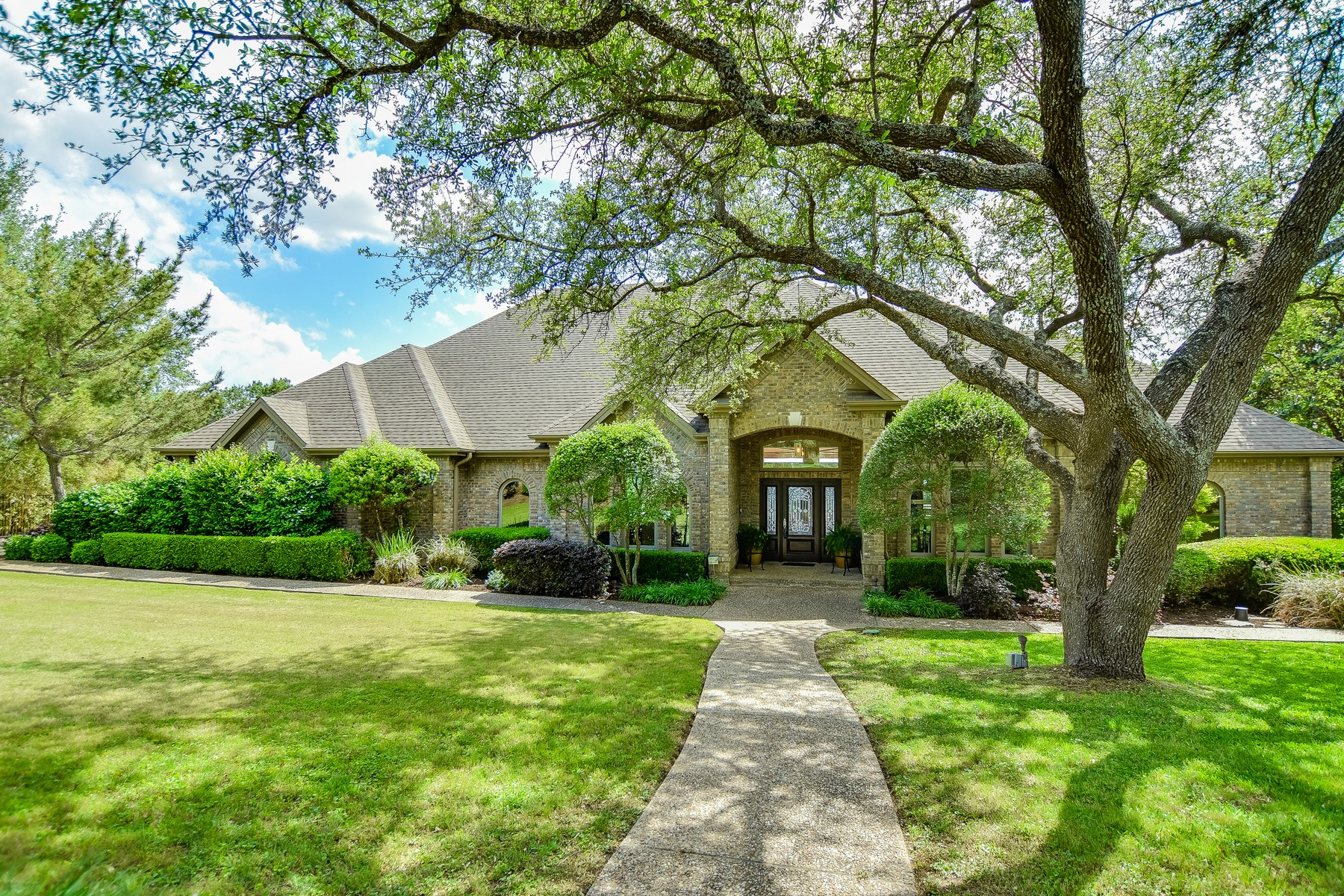 Single Family Home for Sale at Stunning 3± Acre Texas Hill Country Estate 9405 Bell Mountain Dr Austin, Texas 78730 United States