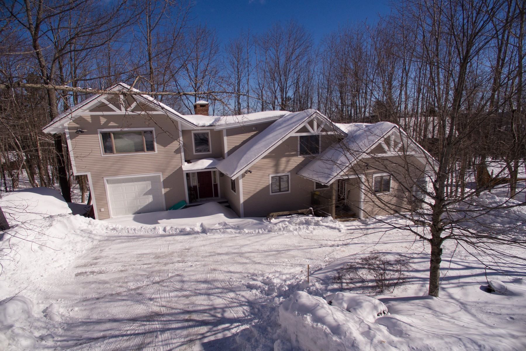 واحد منزل الأسرة للـ Sale في Mountain Living on Okemo! 31 Komula Ludlow, Vermont 05149 United States