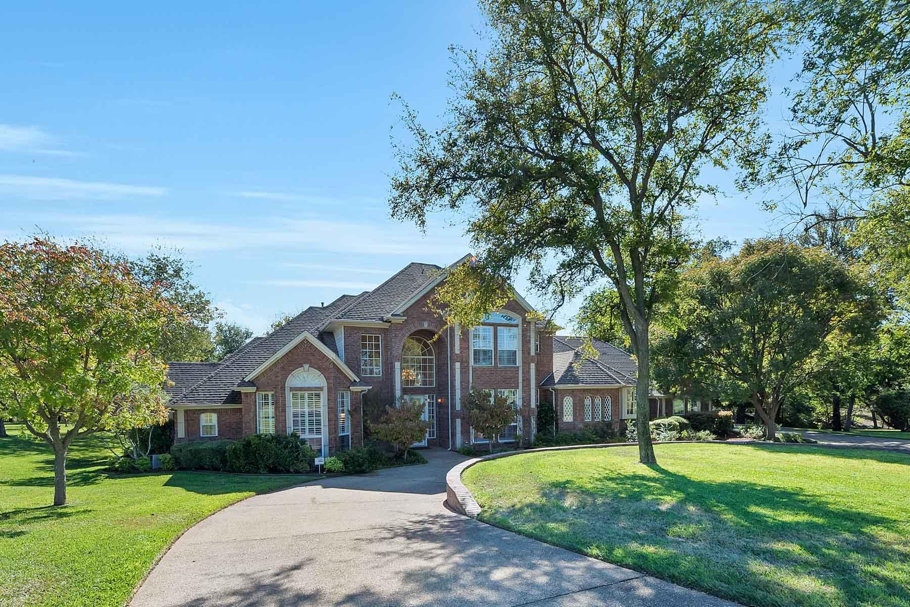 Casa Unifamiliar por un Venta en 351 Cattlebaron Parc Drive, Fort Worth Fort Worth, Texas, 76108 Estados Unidos